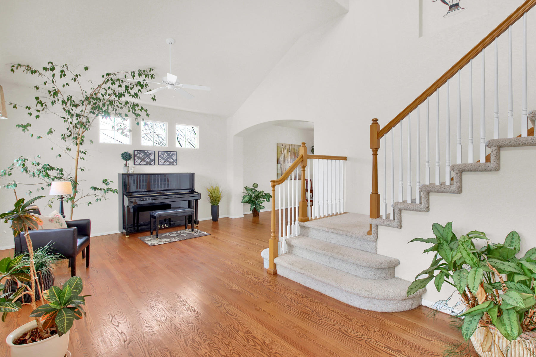 5447 Brookside Dr Broomfield-015-18-Foyer-MLS_Size.jpg