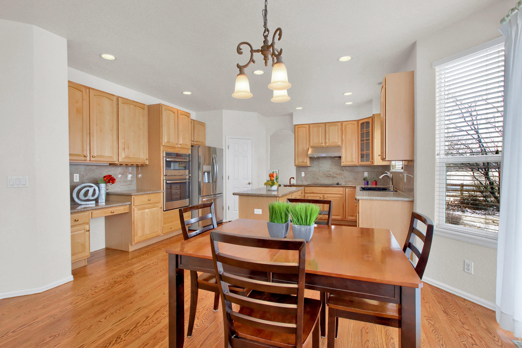 5447 Brookside Dr Broomfield-023-10-Kitchen-MLS_Size.jpg