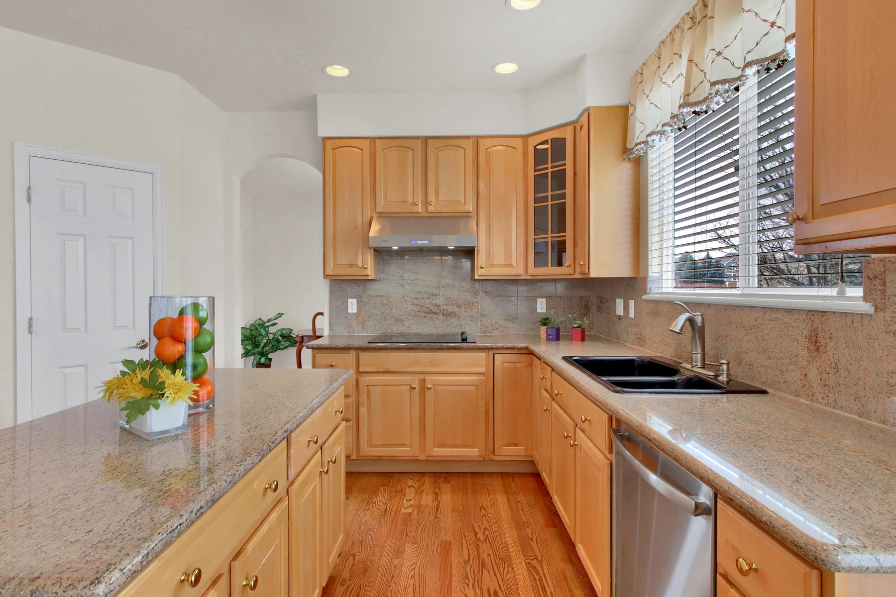 5447 Brookside Dr Broomfield-024-11-Kitchen-MLS_Size.jpg