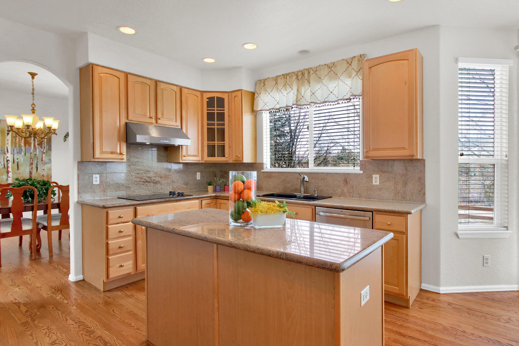 5447 Brookside Dr Broomfield-025-14-Kitchen-MLS_Size.jpg