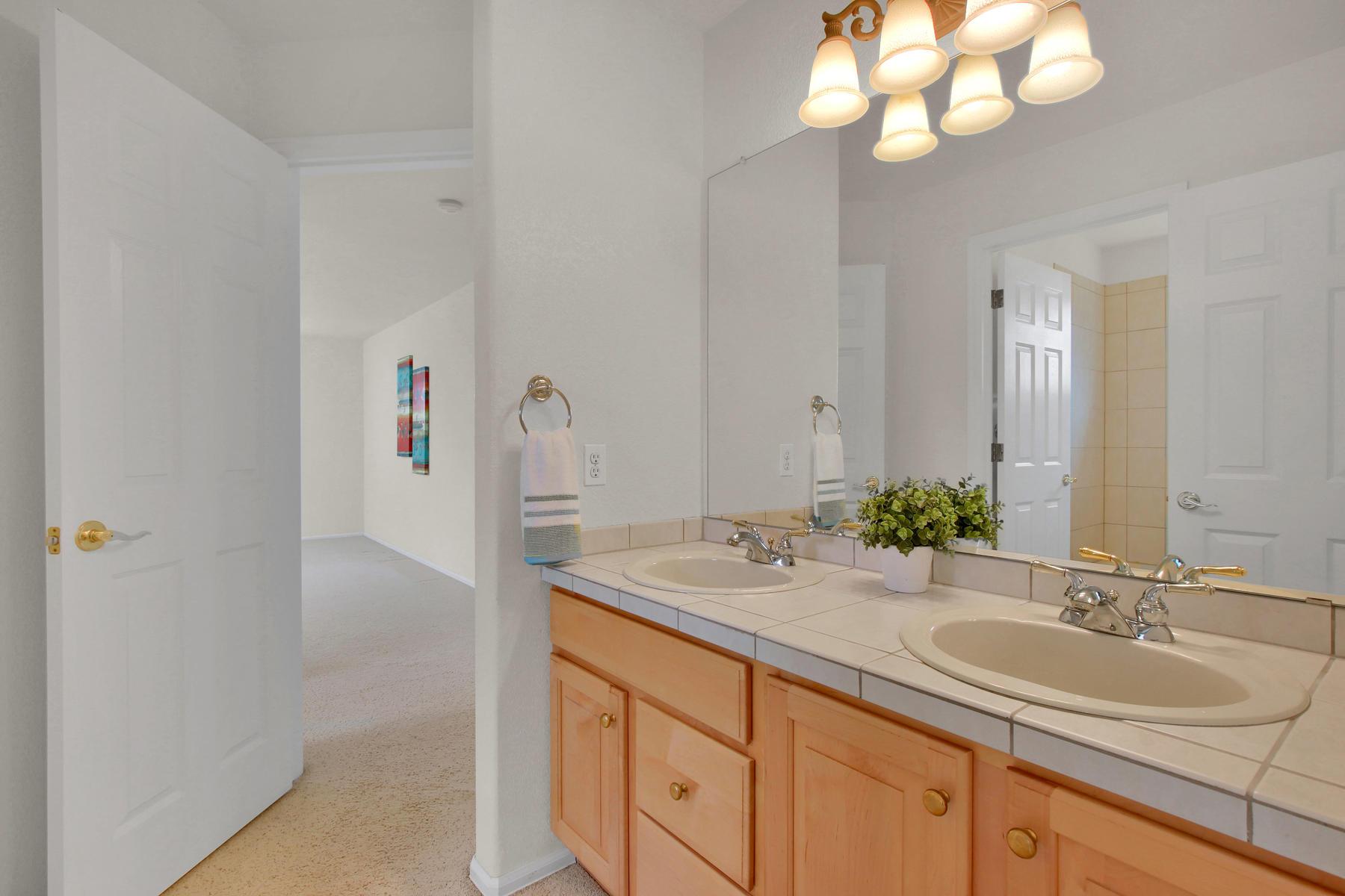 5447 Brookside Dr Broomfield-041-30-Bathroom-MLS_Size.jpg