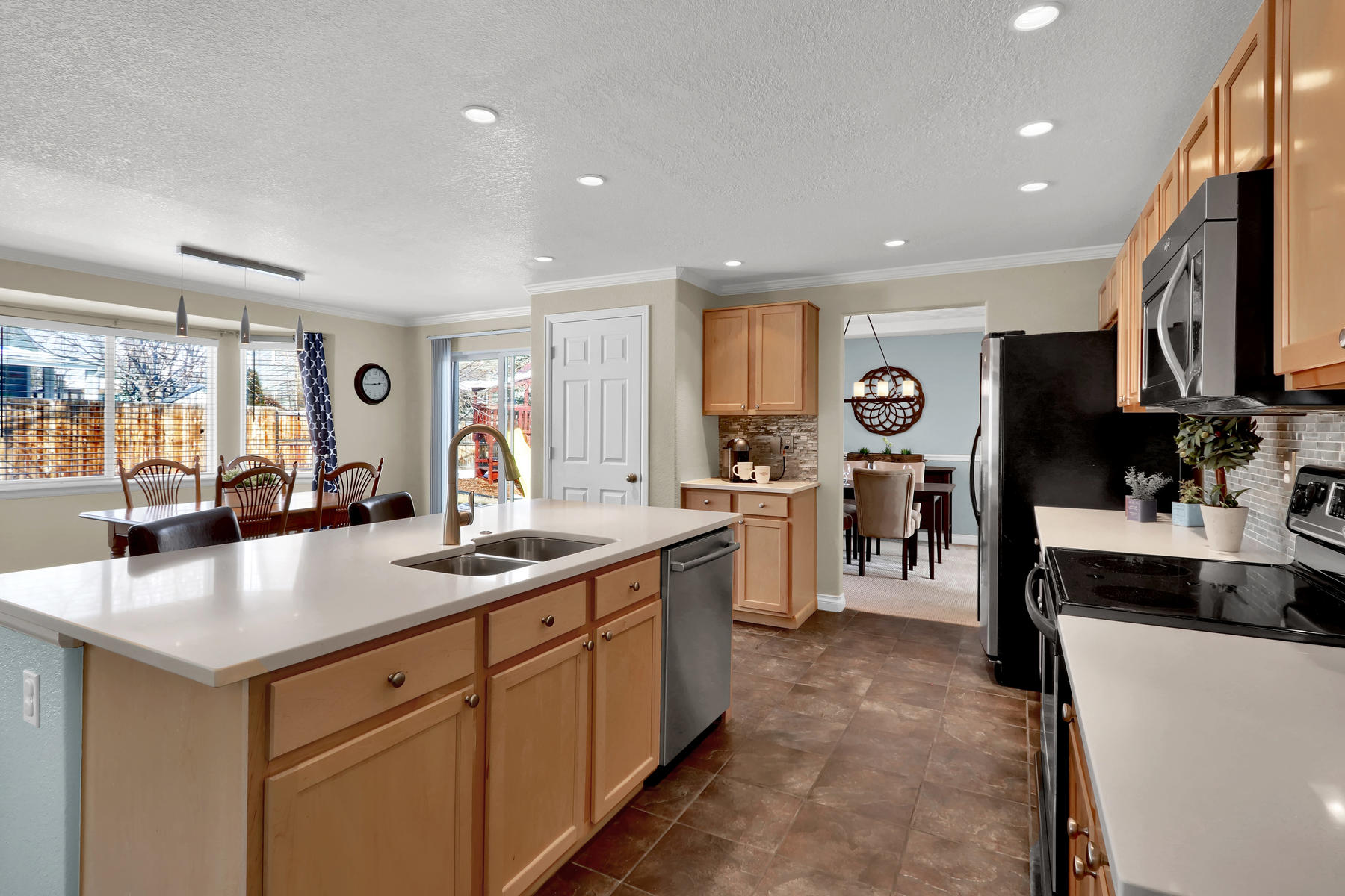 10651 W 54th Ave Arvada CO-014-16-Kitchen-MLS_Size.jpg