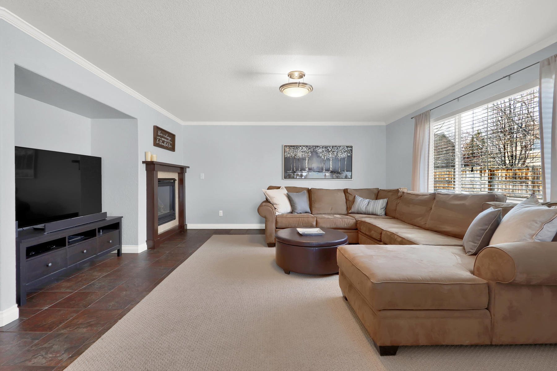 10651 W 54th Ave Arvada CO-015-20-Family Room-MLS_Size.jpg