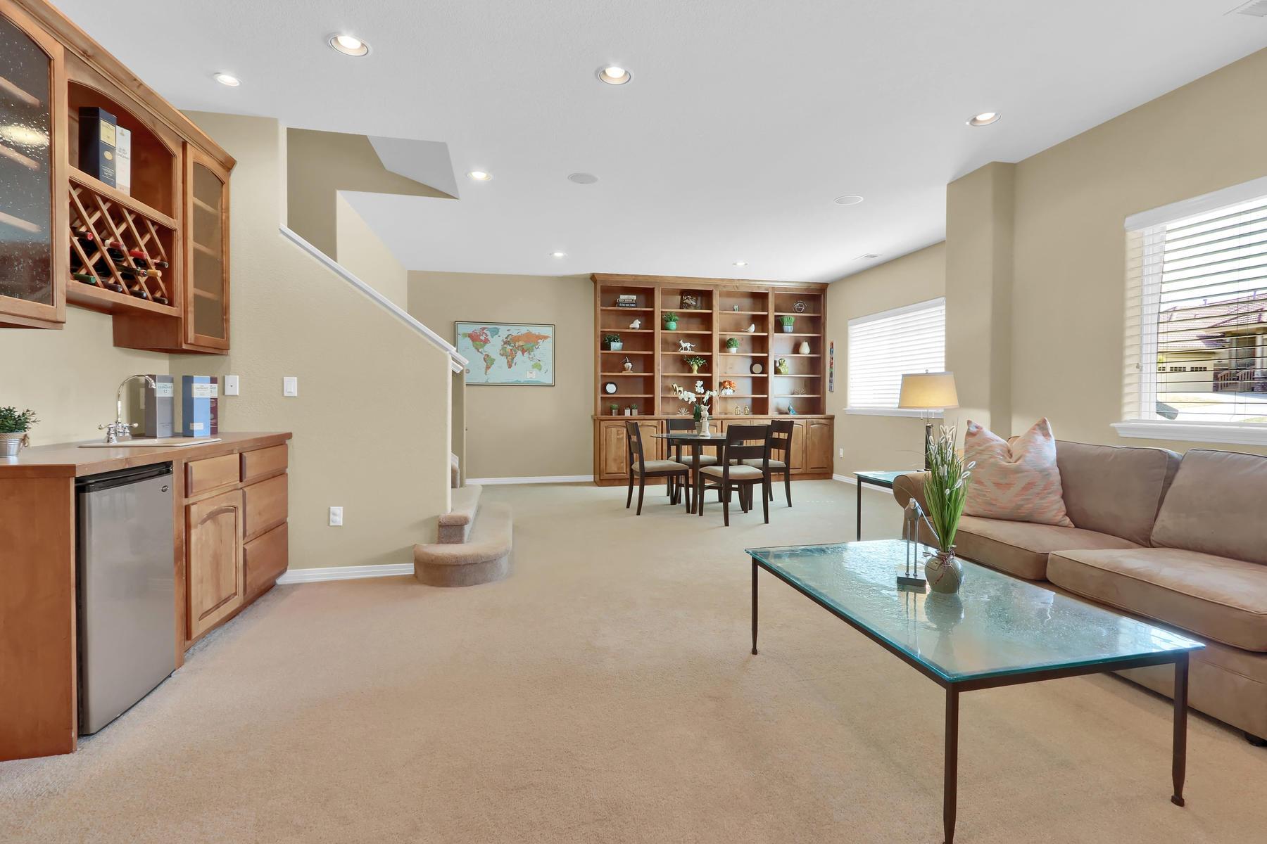 2057 Cedarwood Pl Erie CO-004-24-Family Room-MLS_Size.jpg