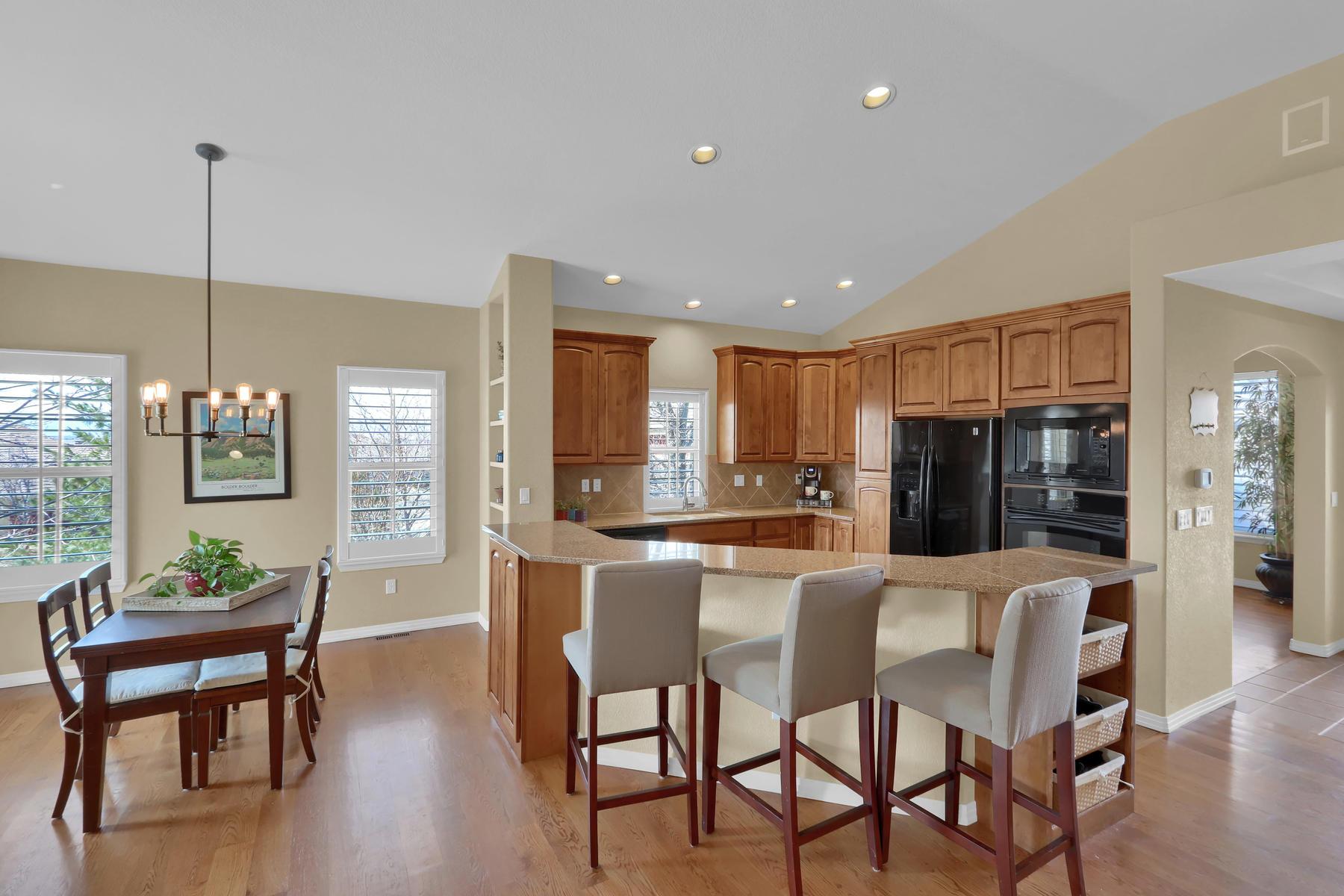 2057 Cedarwood Pl Erie CO-005-4-Kitchen-MLS_Size.jpg
