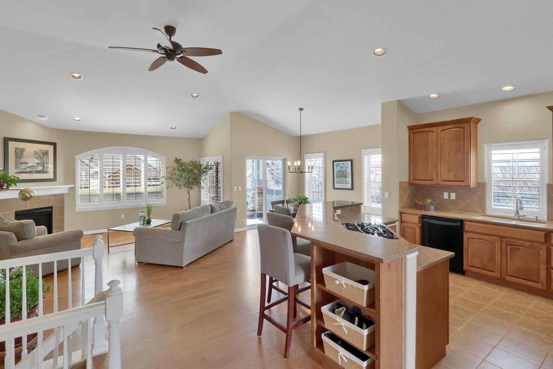 2057 Cedarwood Pl Erie CO-007-6-Kitchen-MLS_Size.jpg