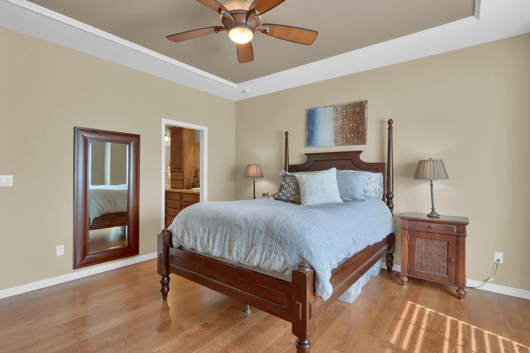 2057 Cedarwood Pl Erie CO-013-15-Bedroom-MLS_Size.jpg