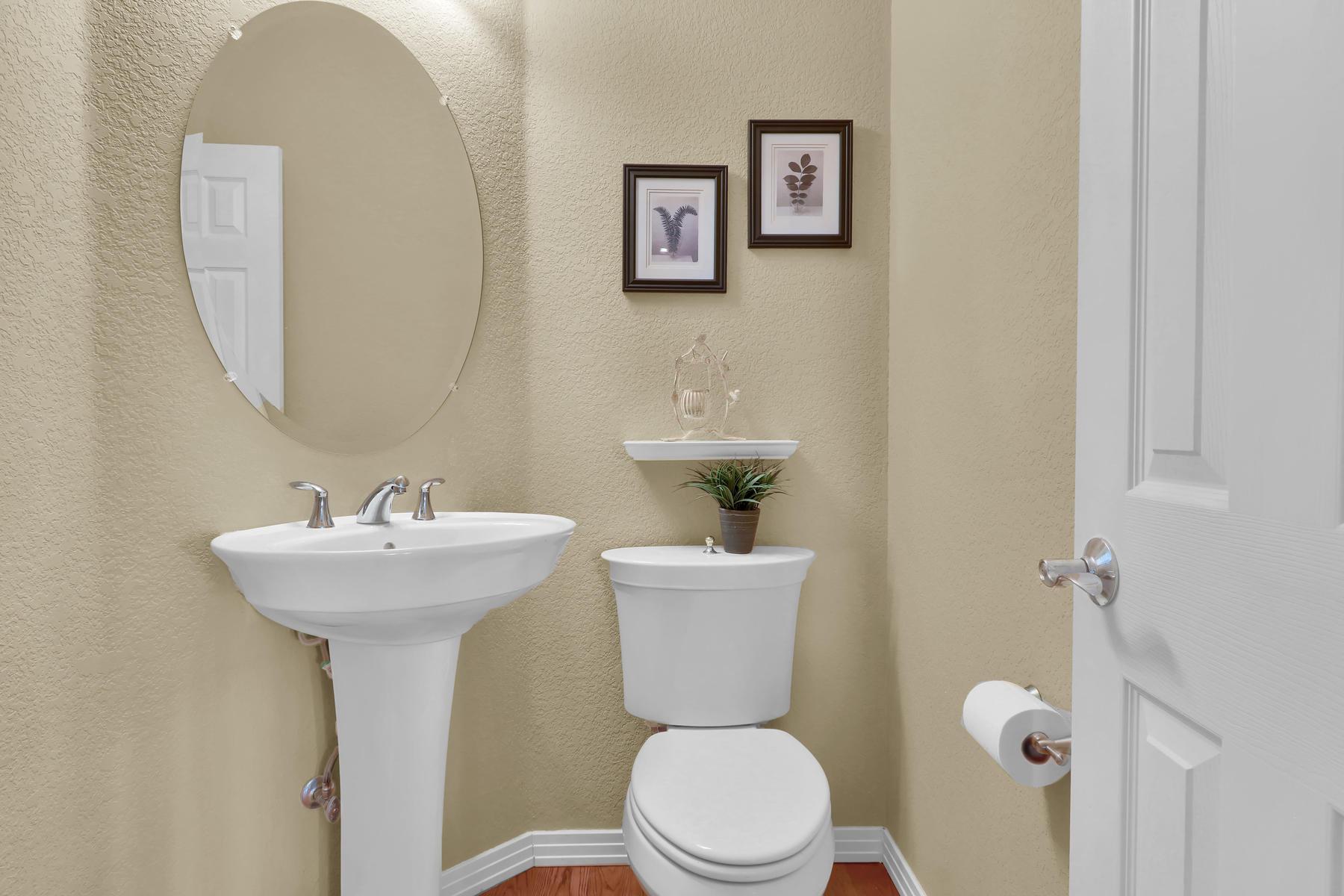 2057 Cedarwood Pl Erie CO-016-16-Bathroom-MLS_Size.jpg