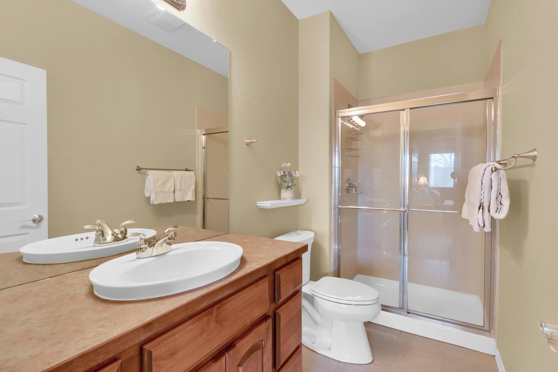 2057 Cedarwood Pl Erie CO-019-20-Bathroom-MLS_Size.jpg