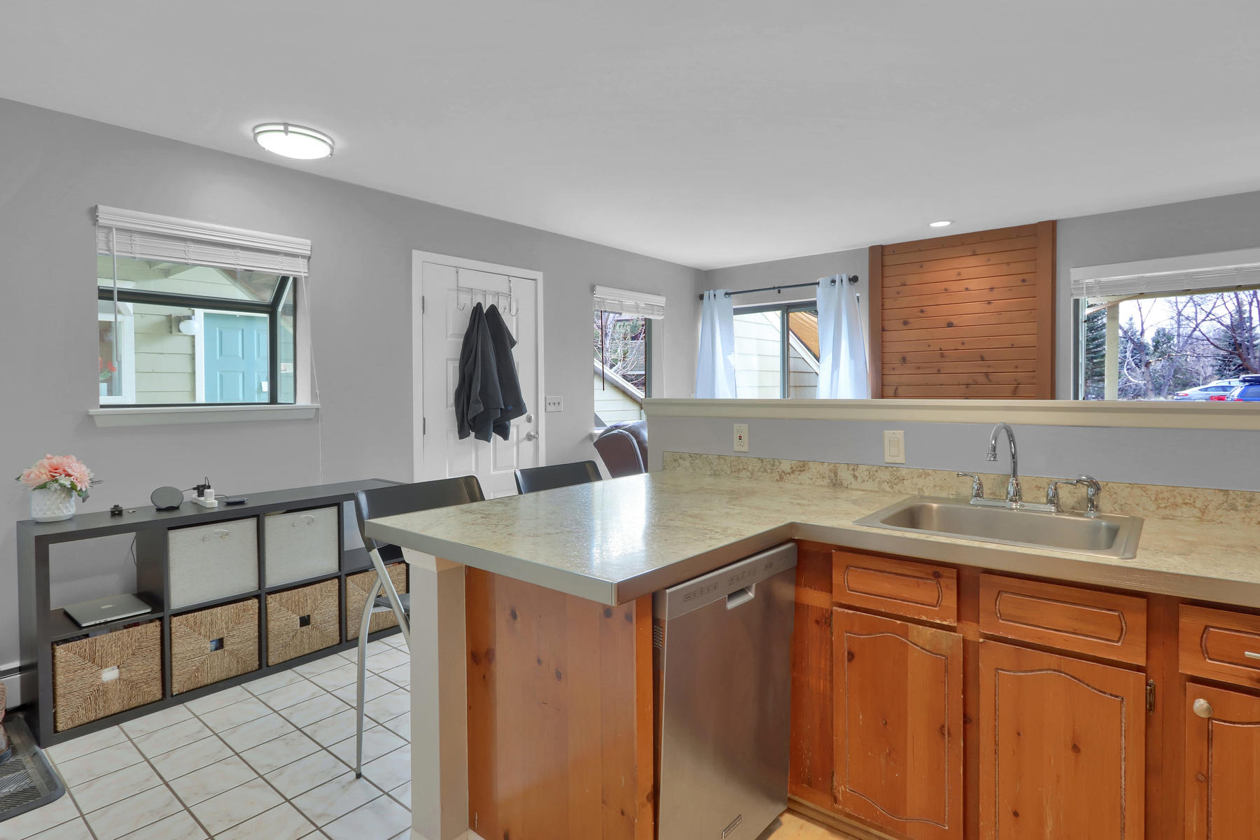 8033 Countryside Park 201-014-12-Kitchen-MLS_Size.jpg
