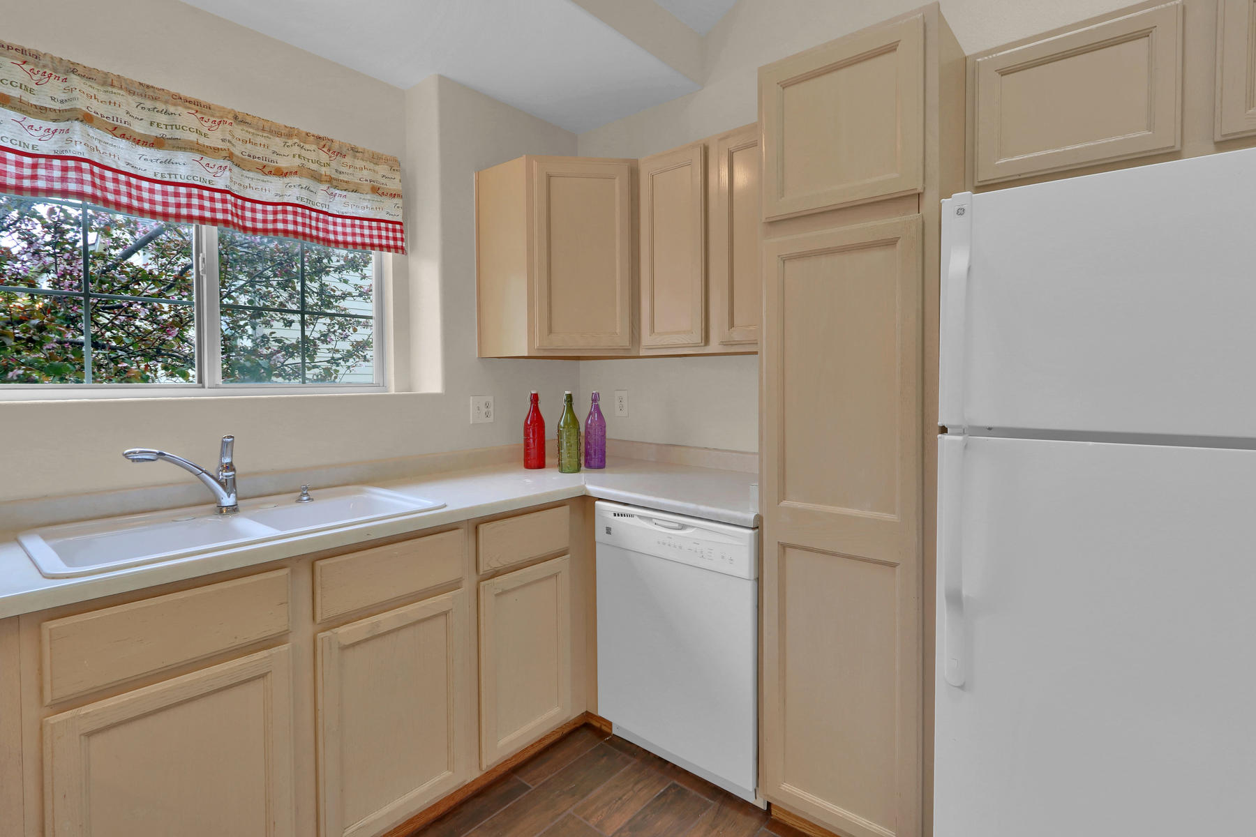 3009 W 107th Pl F Westminster-012-7-Kitchen-MLS_Size.jpg