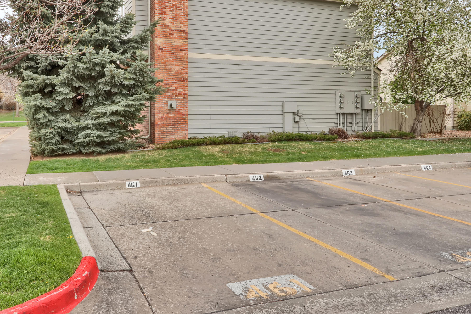 3009 W 107th Pl F Westminster-025-1-Parking-MLS_Size.jpg