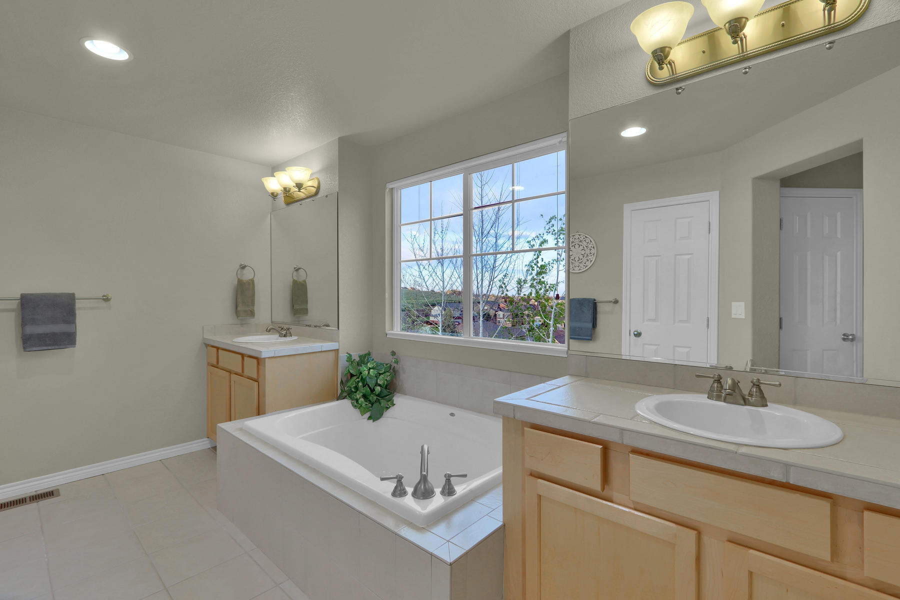 17881 W 77th Dr Arvada CO-038-28-Bathroom-MLS_Size.jpg