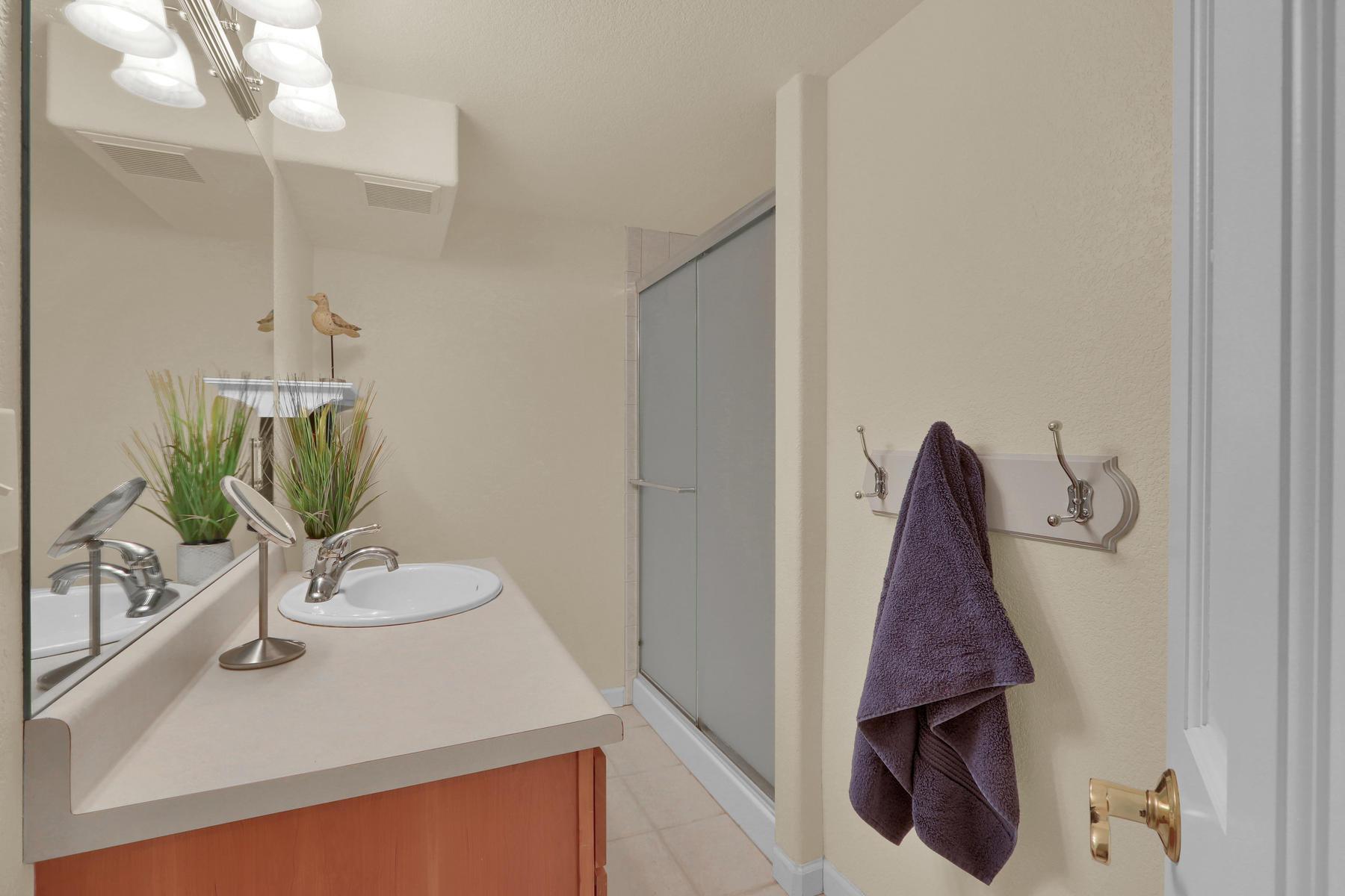 3845 Everett St Wheat Ridge CO-037-15-Bathroom-MLS_Size.jpg