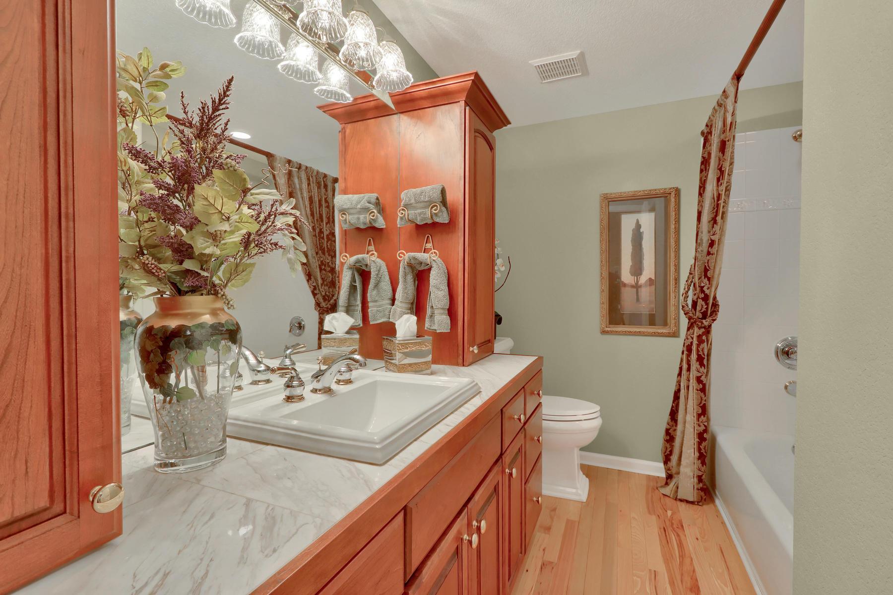 3845 Everett St Wheat Ridge CO-043-23-Bathroom-MLS_Size.jpg