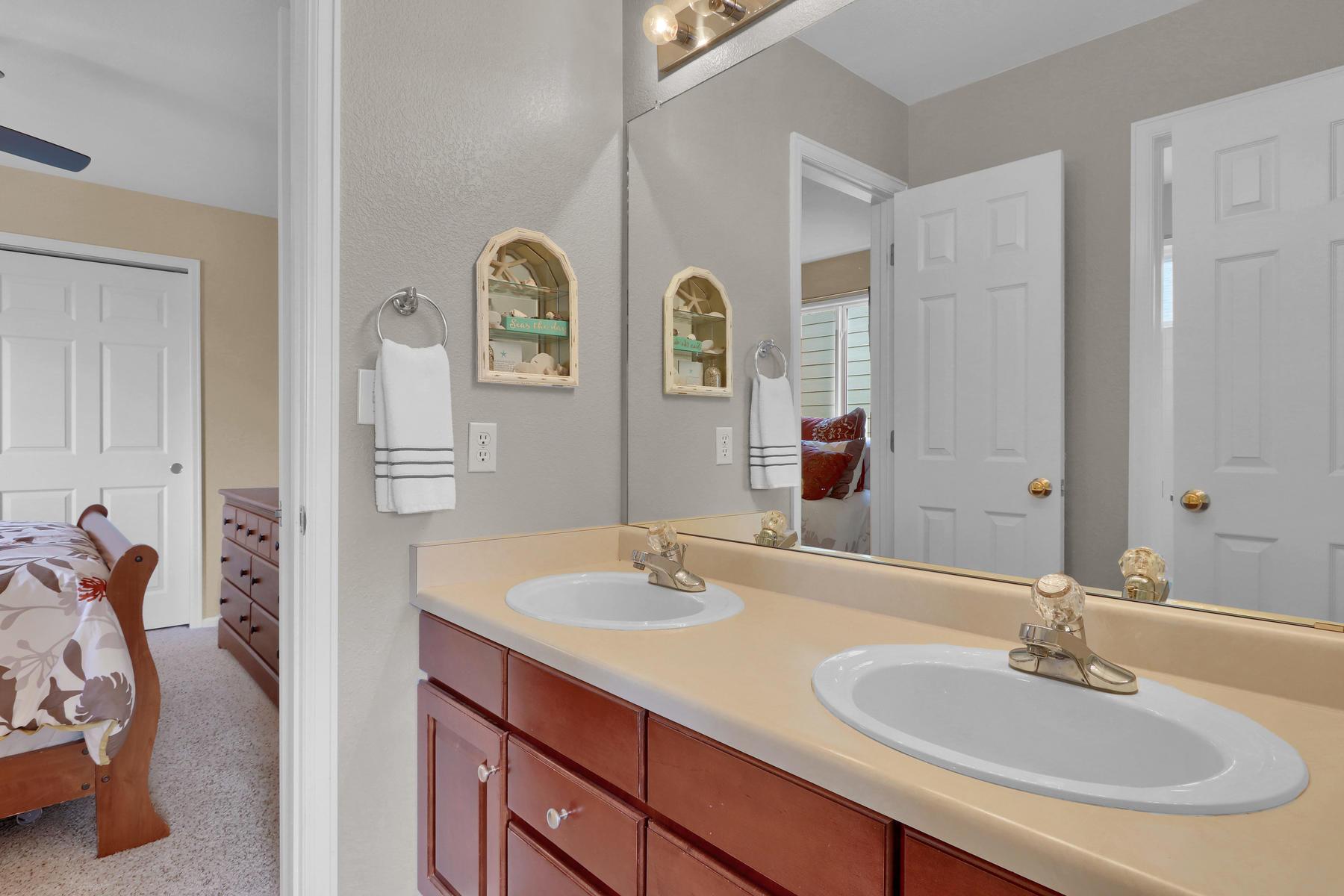 13433 W 62nd Pl Arvada CO-030-32-Bathroom-MLS_Size.jpg