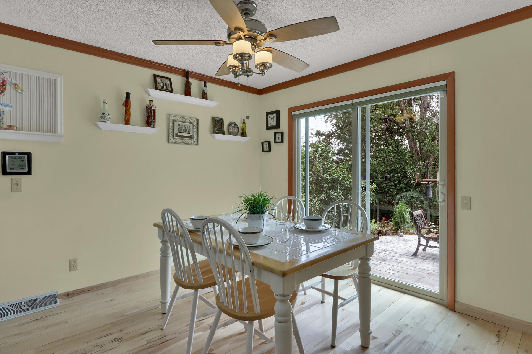 8490 Independence Way Arvada-021-031-Dining Room-MLS_Size.jpg