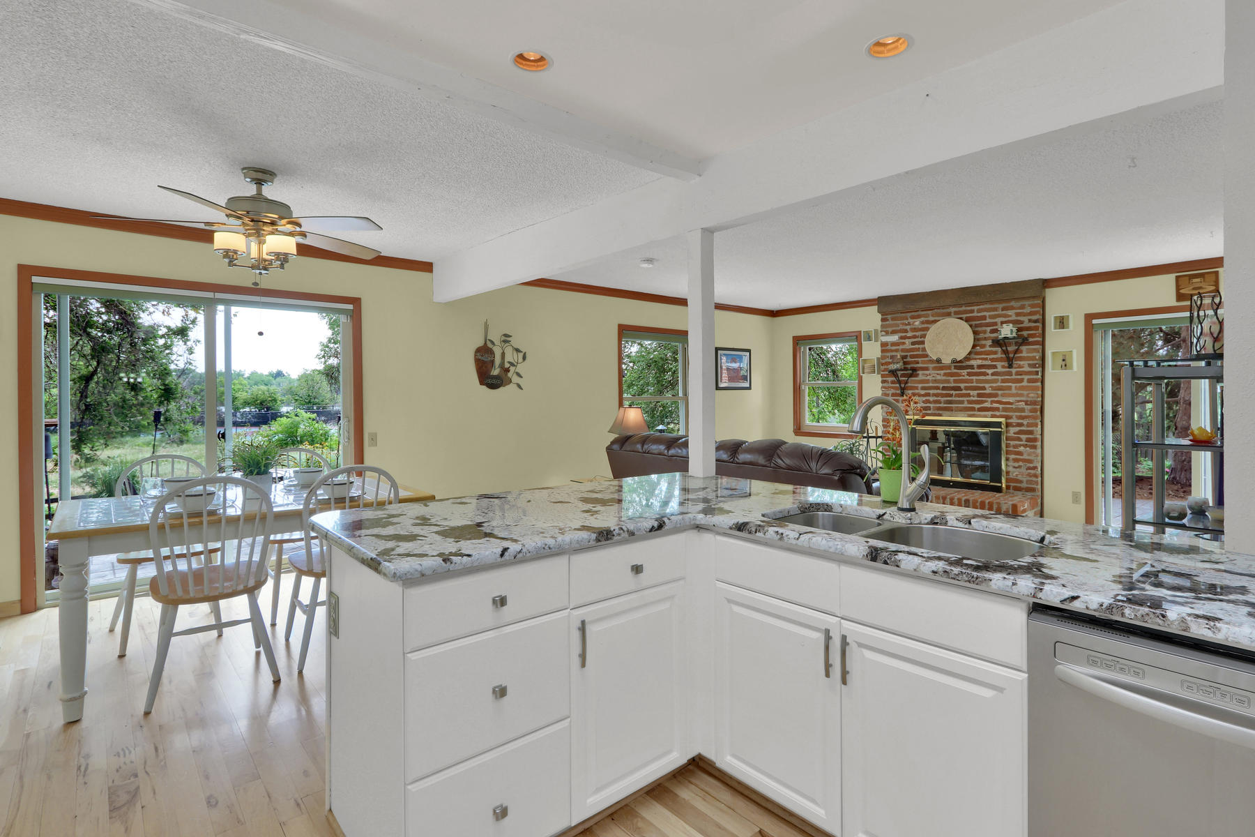 8490 Independence Way Arvada-022-028-Kitchen-MLS_Size.jpg