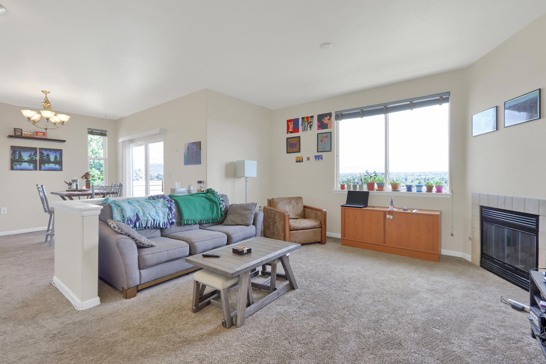 10089 W 55th Drive 204 Arvada-004-009-Living Room-MLS_Size.jpg