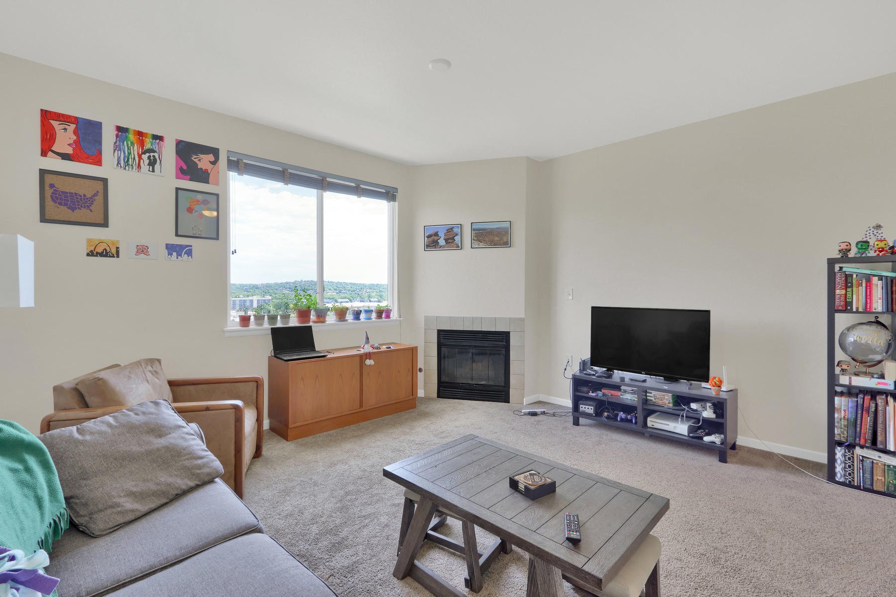 10089 W 55th Drive 204 Arvada-006-007-Living Room-MLS_Size.jpg