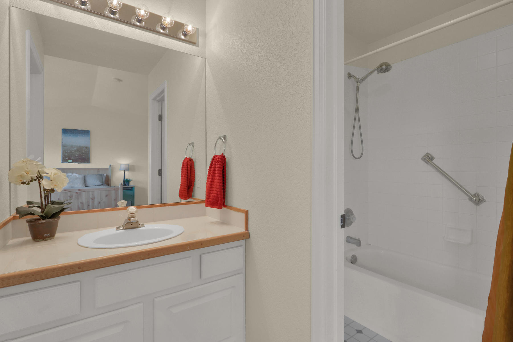 6250 Everett Ct Unit F Arvada-016-020-Bathroom-MLS_Size.jpg