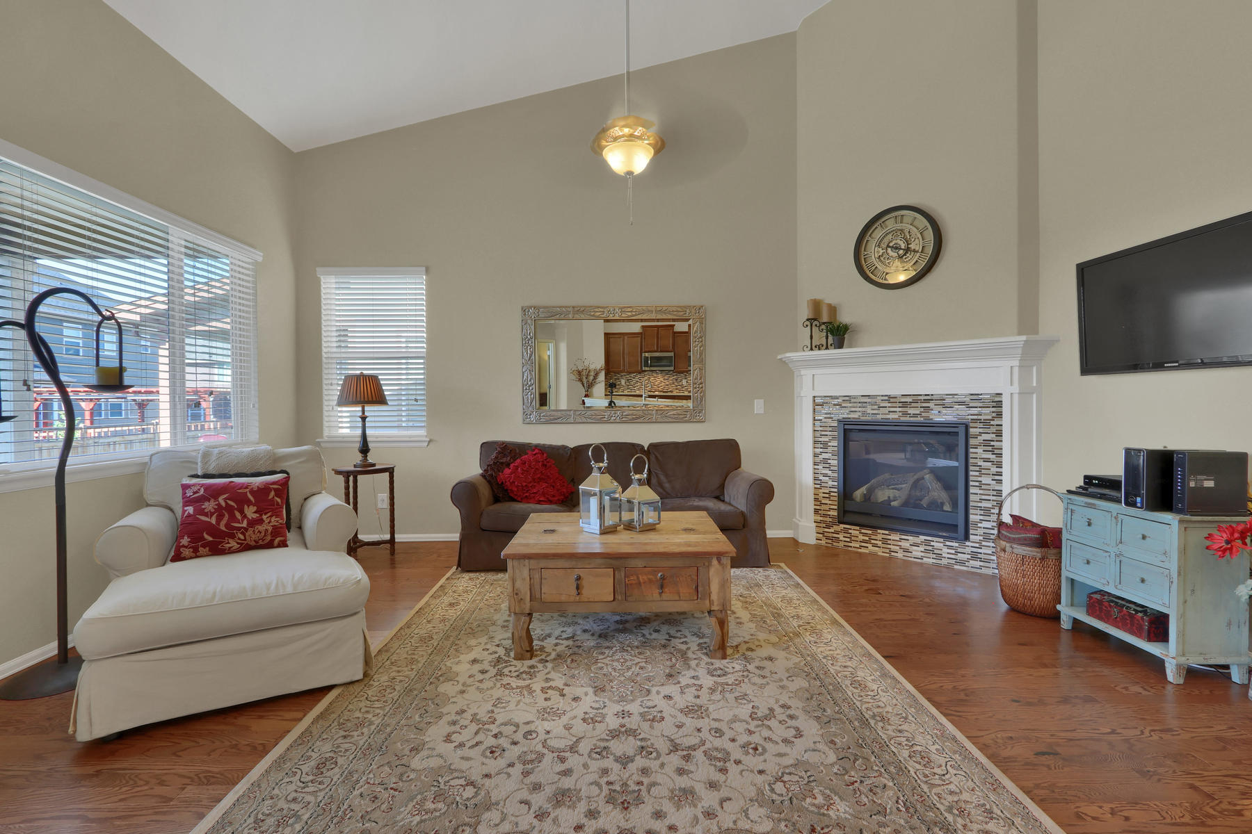 5181 Delphinium Cir Brighton-005-020-Living Room-MLS_Size.jpg