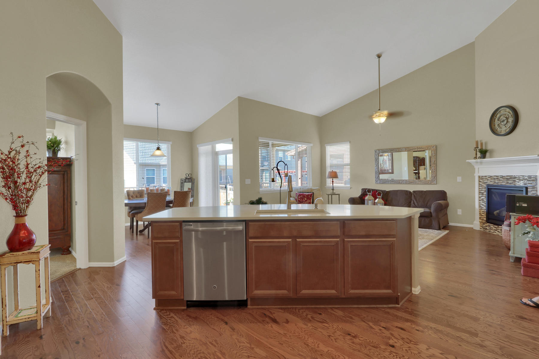 5181 Delphinium Cir Brighton-009-011-Kitchen-MLS_Size.jpg