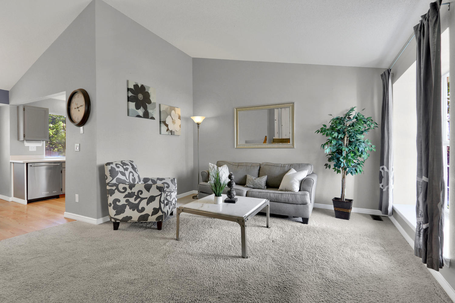 11246 W 104th Ave Westminster-large-005-005-Living Room-1500x1000-72dpi.jpg