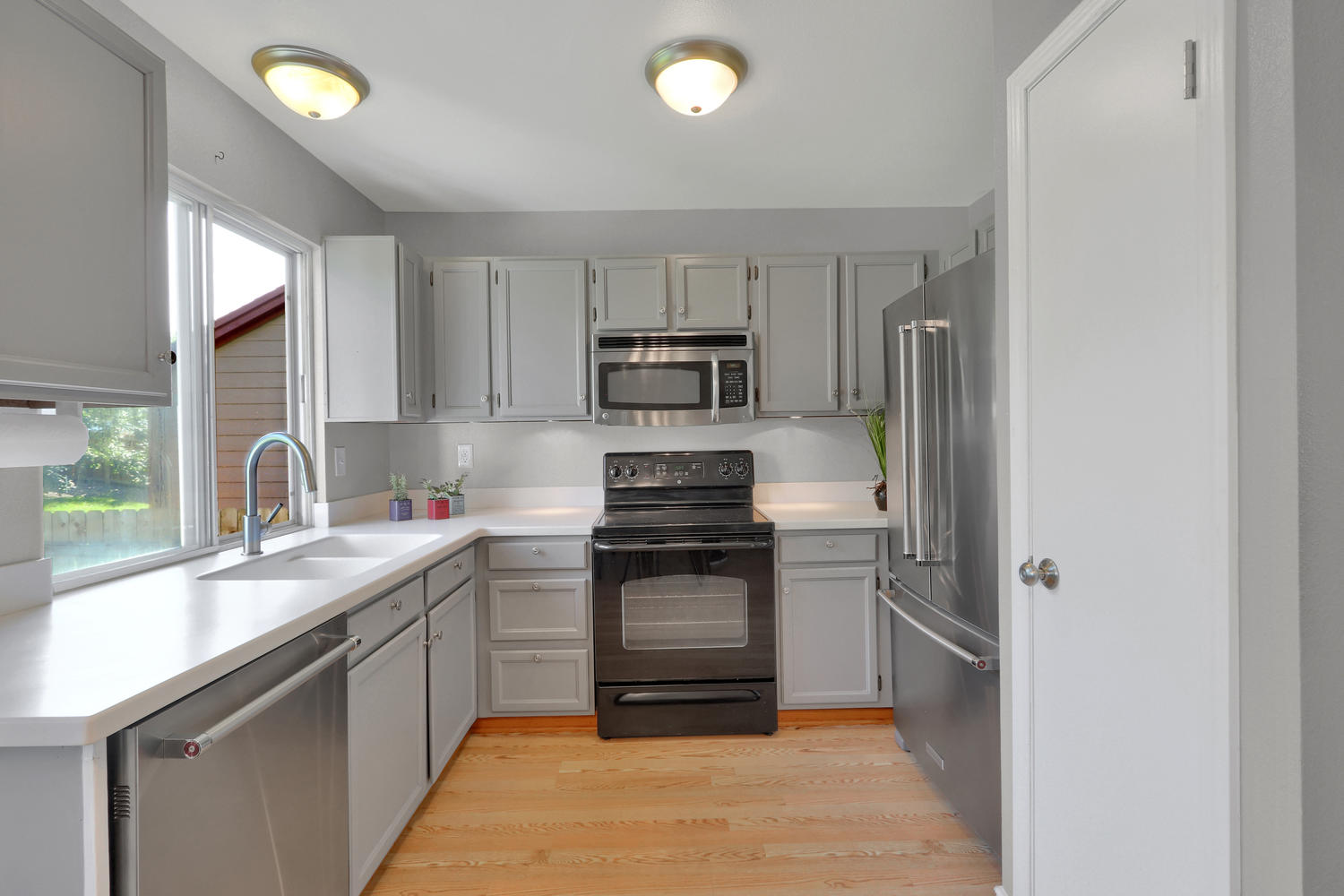 11246 W 104th Ave Westminster-large-010-011-Kitchen-1500x1000-72dpi.jpg