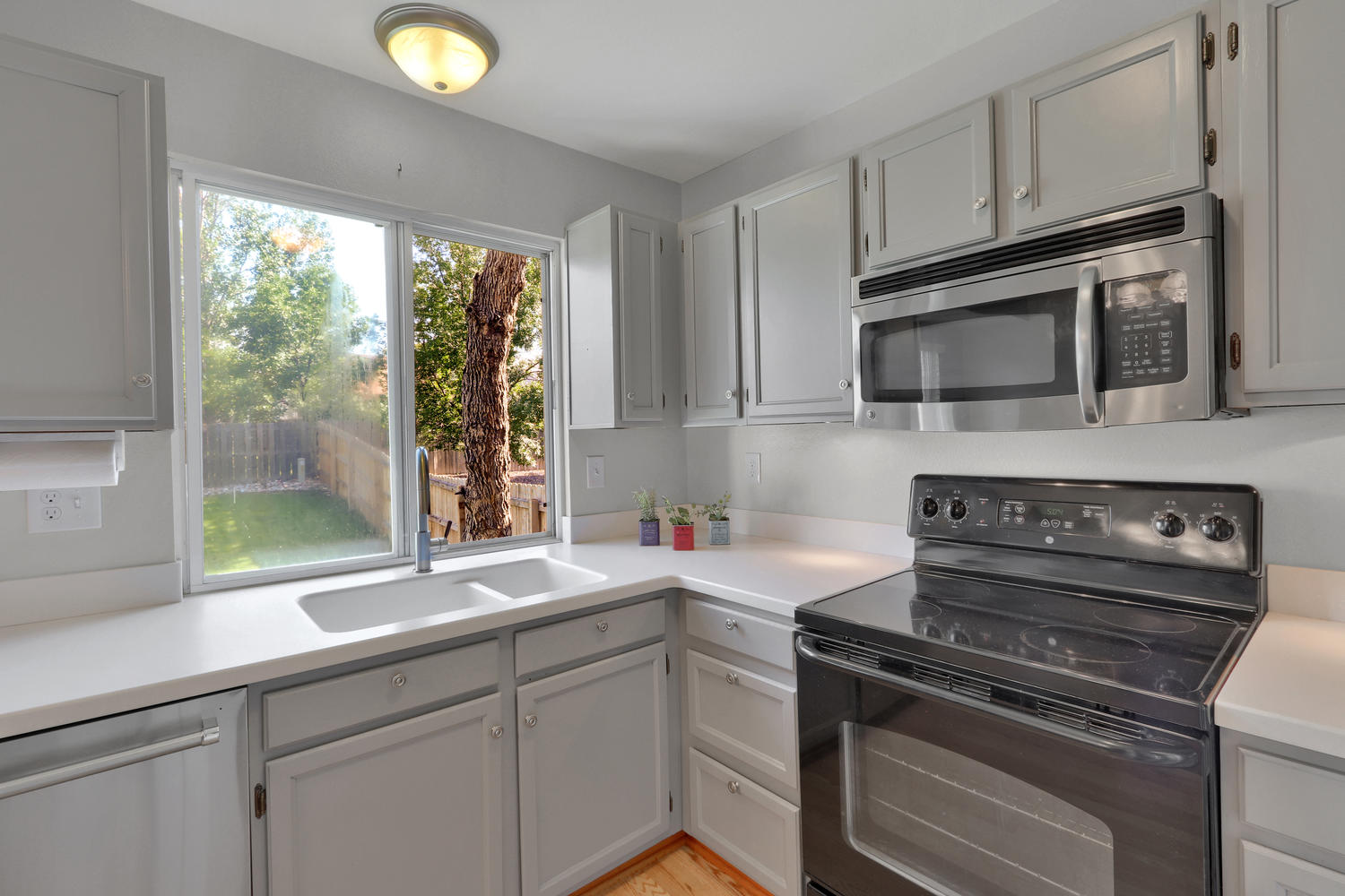 11246 W 104th Ave Westminster-large-011-012-Kitchen-1500x1000-72dpi.jpg