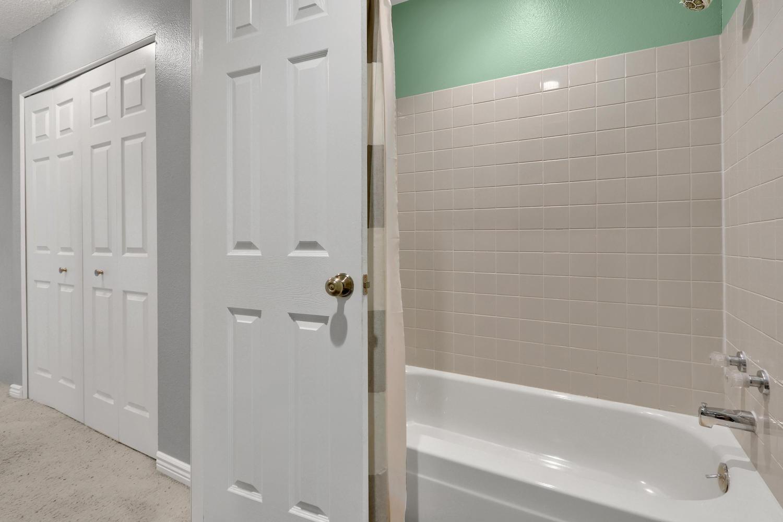 11246 W 104th Ave Westminster-large-017-020-Bathroom-1500x1000-72dpi.jpg