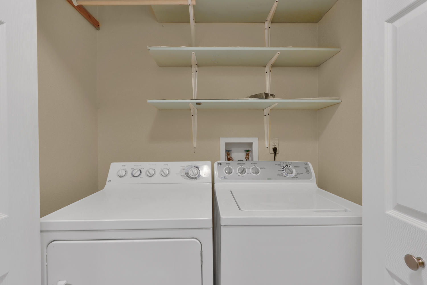 11246 W 104th Ave Westminster-large-019-023-Laundry-1500x1000-72dpi.jpg