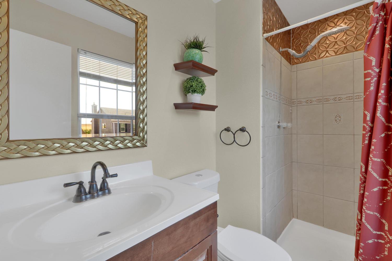 11246 W 104th Ave Westminster-large-022-025-Bathroom-1500x1000-72dpi.jpg