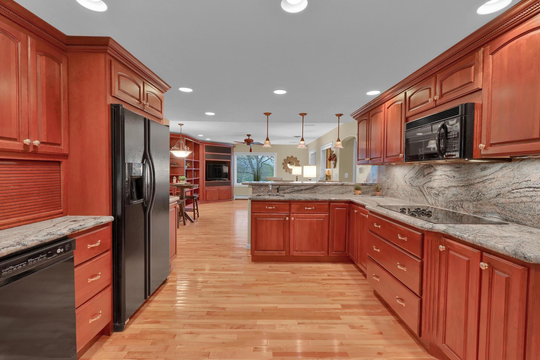 3845 Everett St Wheat Ridge CO-023-33-Kitchen-MLS_Size.jpg