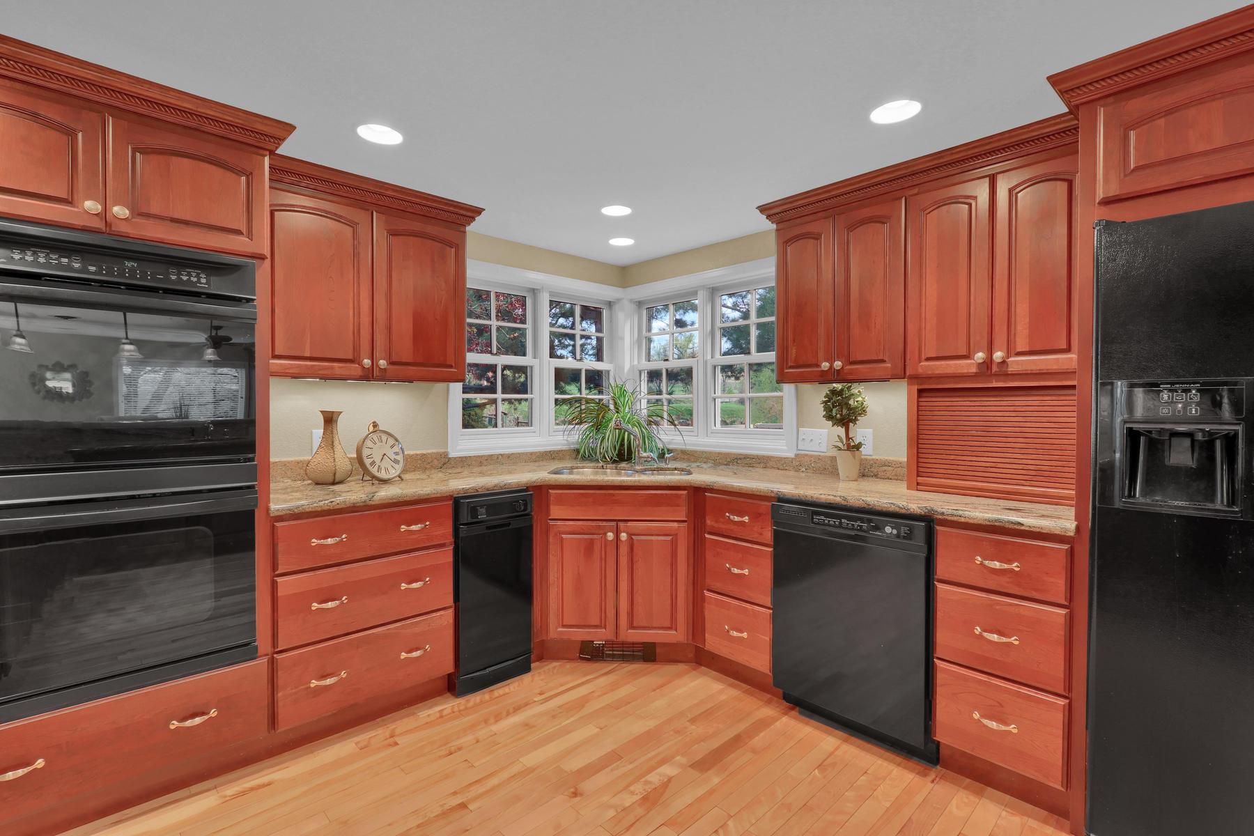 3845 Everett St Wheat Ridge CO-025-34-Kitchen-MLS_Size.jpg