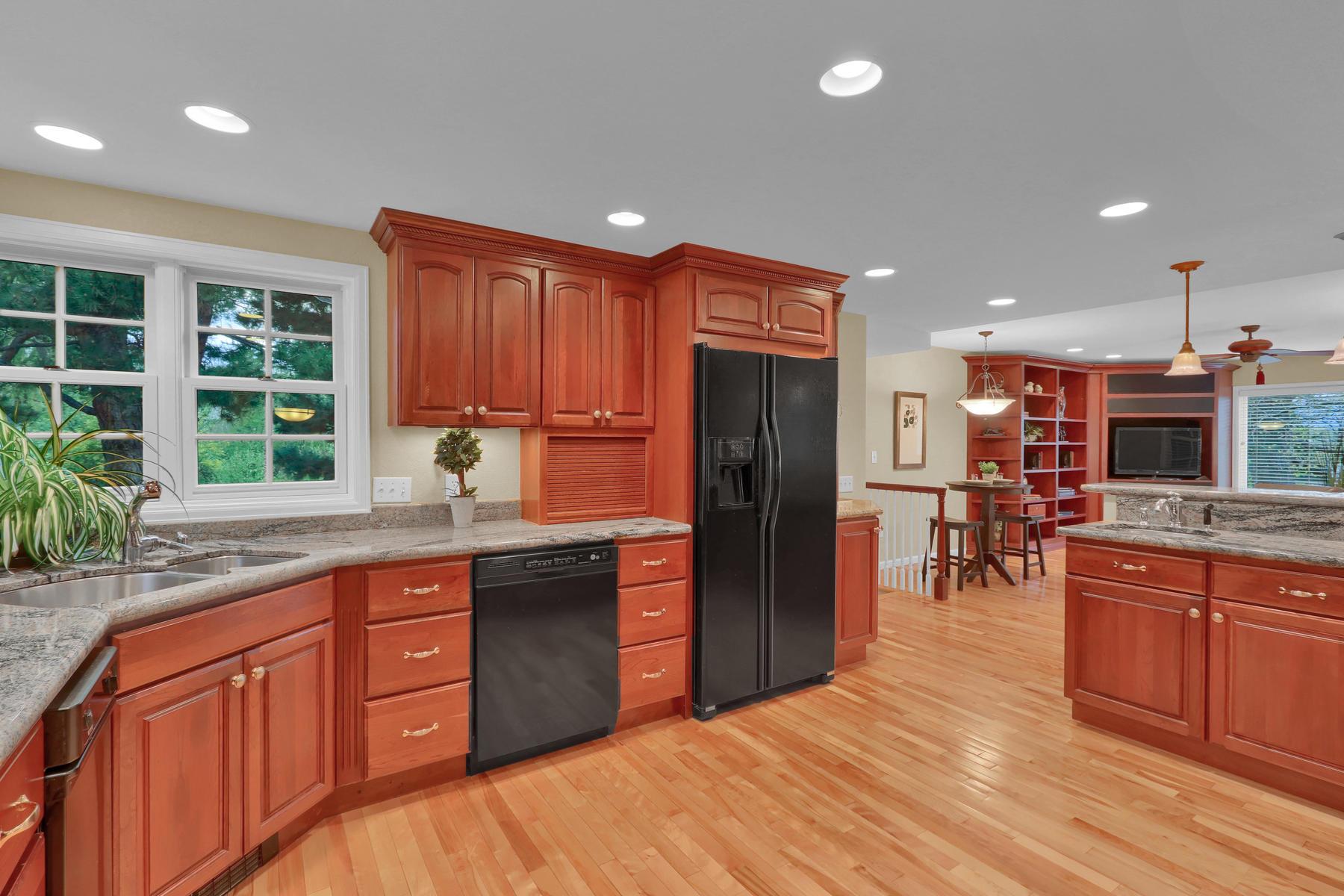 3845 Everett St Wheat Ridge CO-027-31-Kitchen-MLS_Size.jpg
