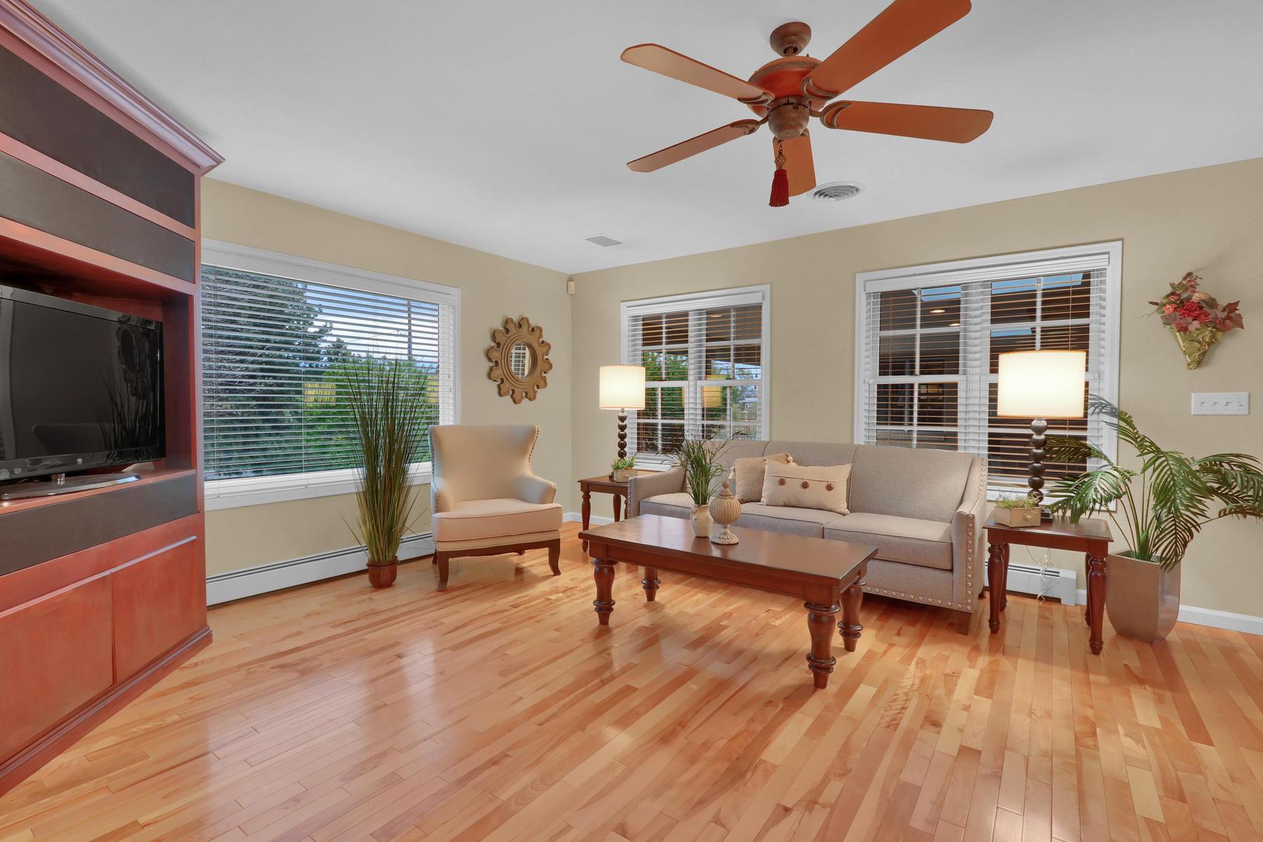 3845 Everett St Wheat Ridge CO-029-36-Family Room-MLS_Size.jpg