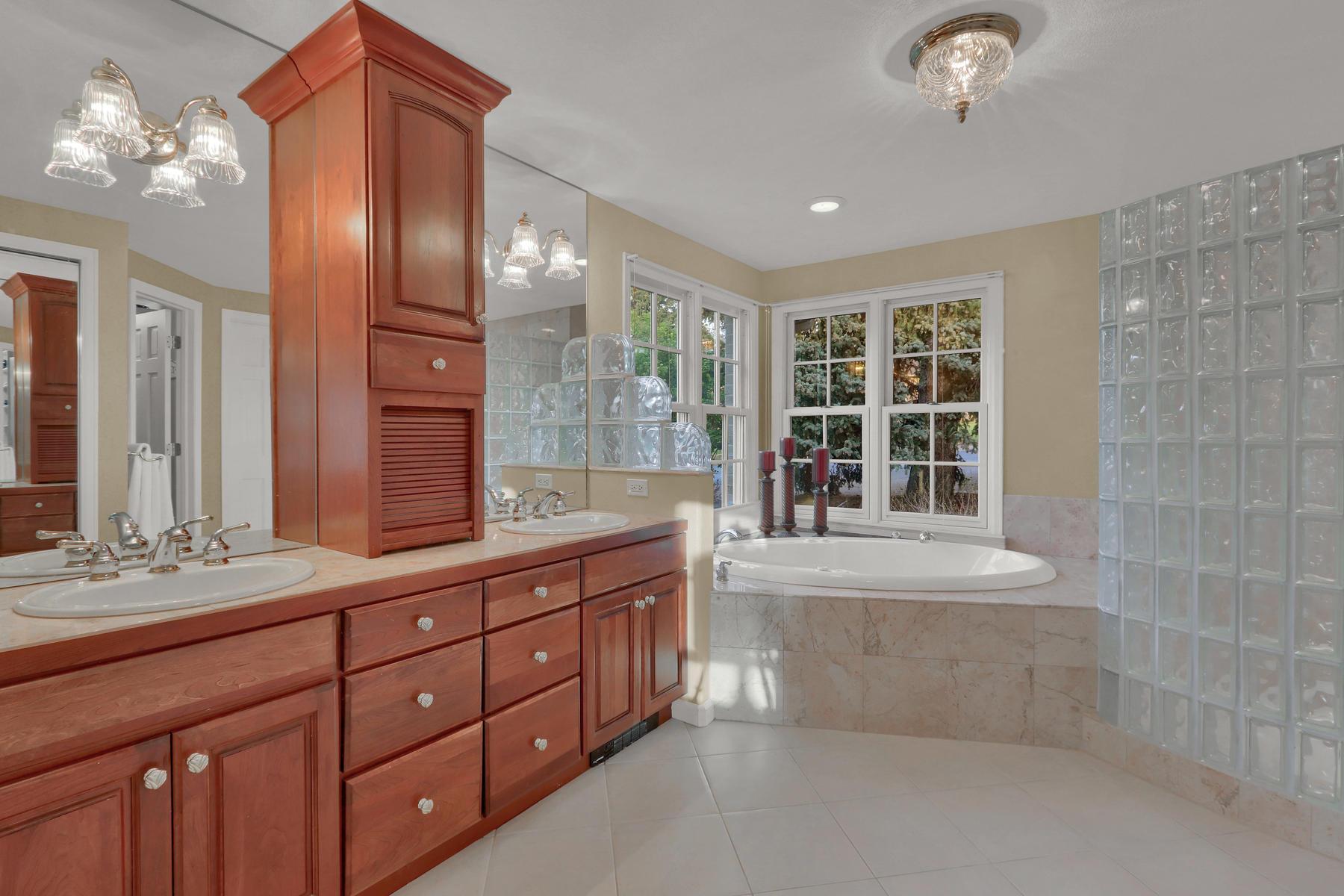 3845 Everett St Wheat Ridge CO-046-25-Bathroom-MLS_Size.jpg