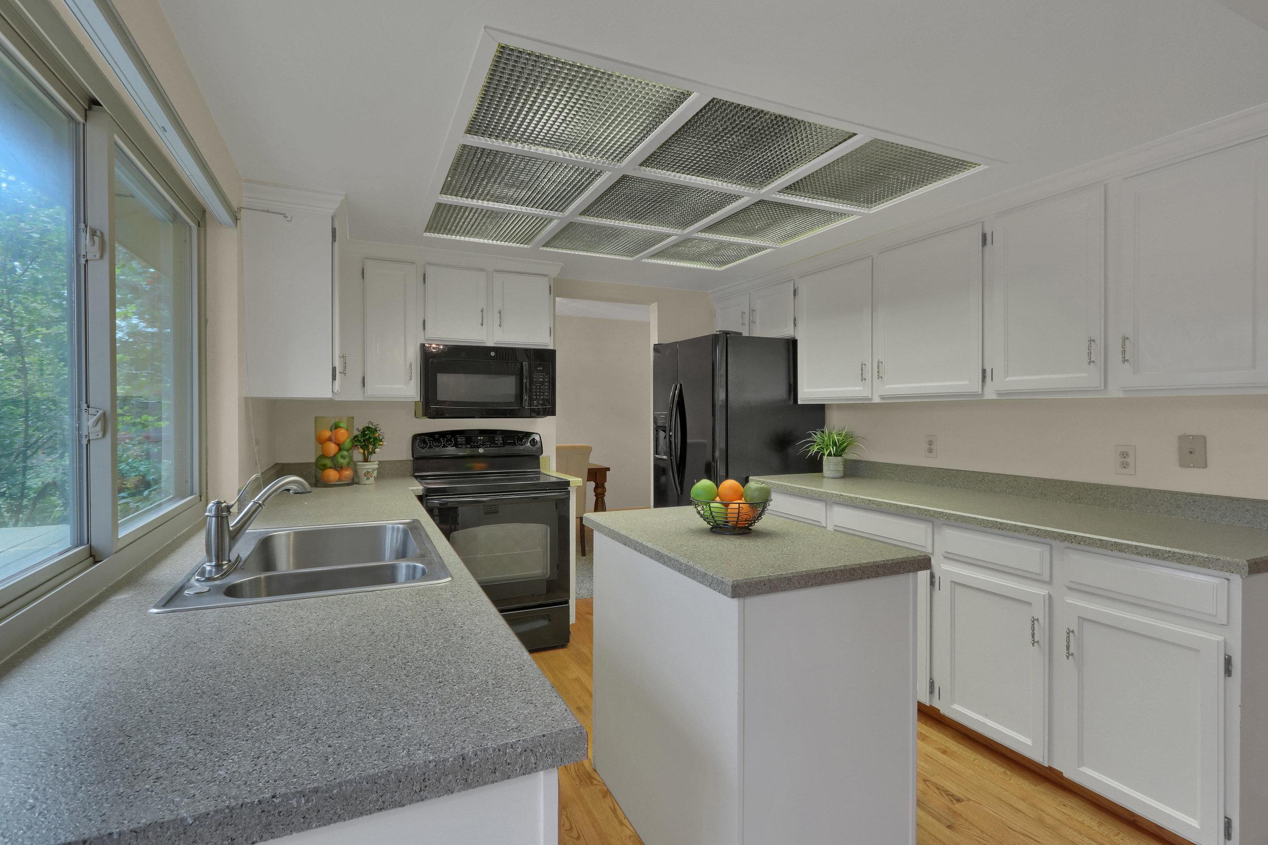 9634 W 87th Cir Arvada CO-print-006-009-Kitchen-4200x2800-300dpi.jpg