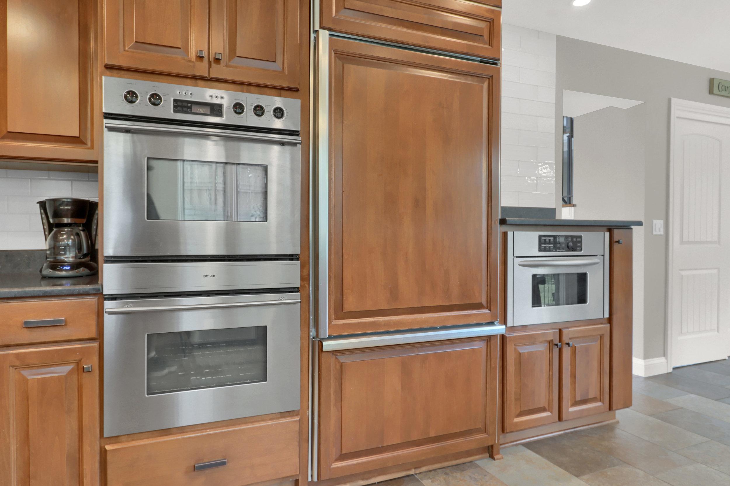 8125 S Zephyr Way Littleton CO-print-018-023-Kitchen-4200x2800-300dpi.jpg