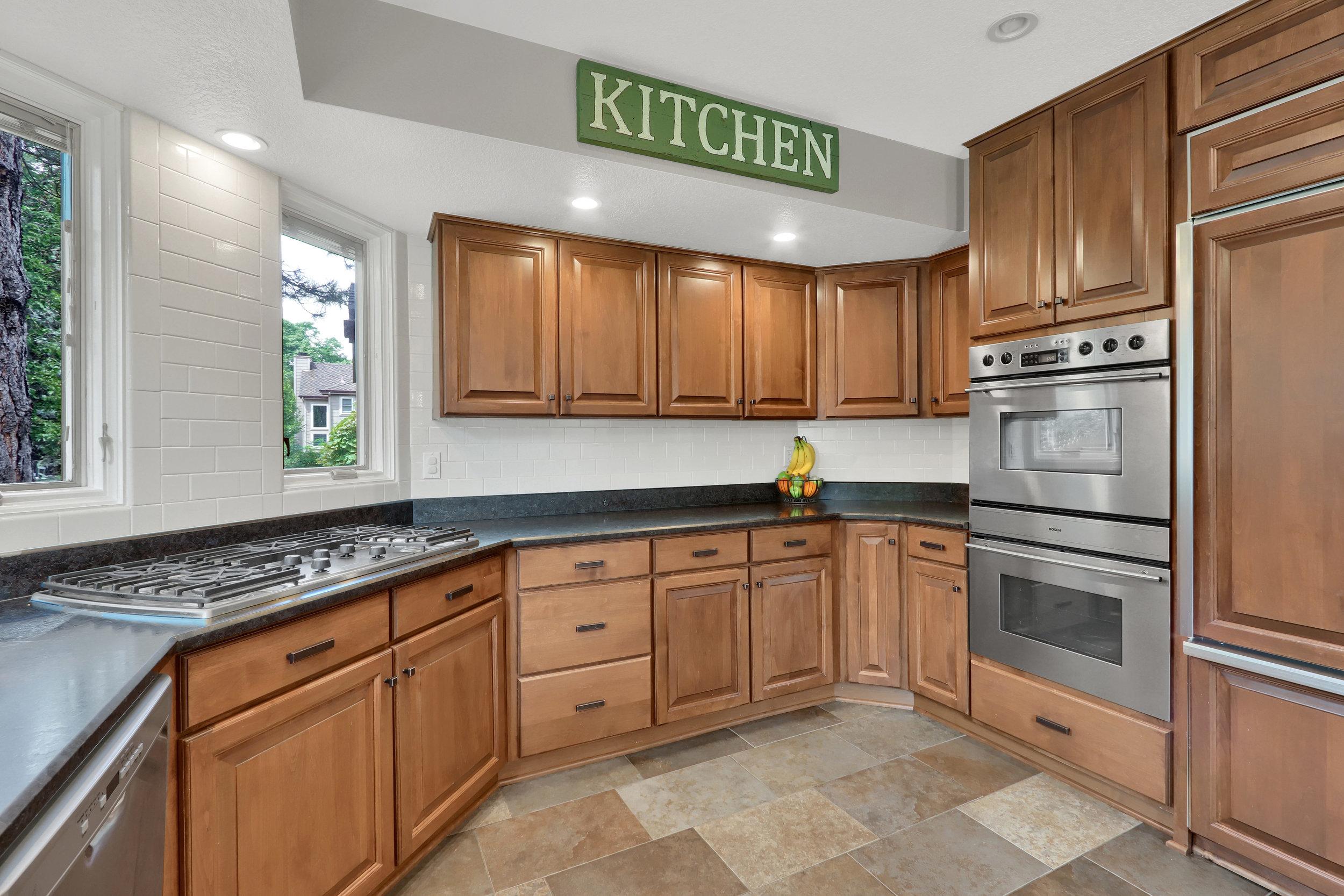 8125 S Zephyr Way Littleton CO-print-019-022-Kitchen-4200x2800-300dpi.jpg