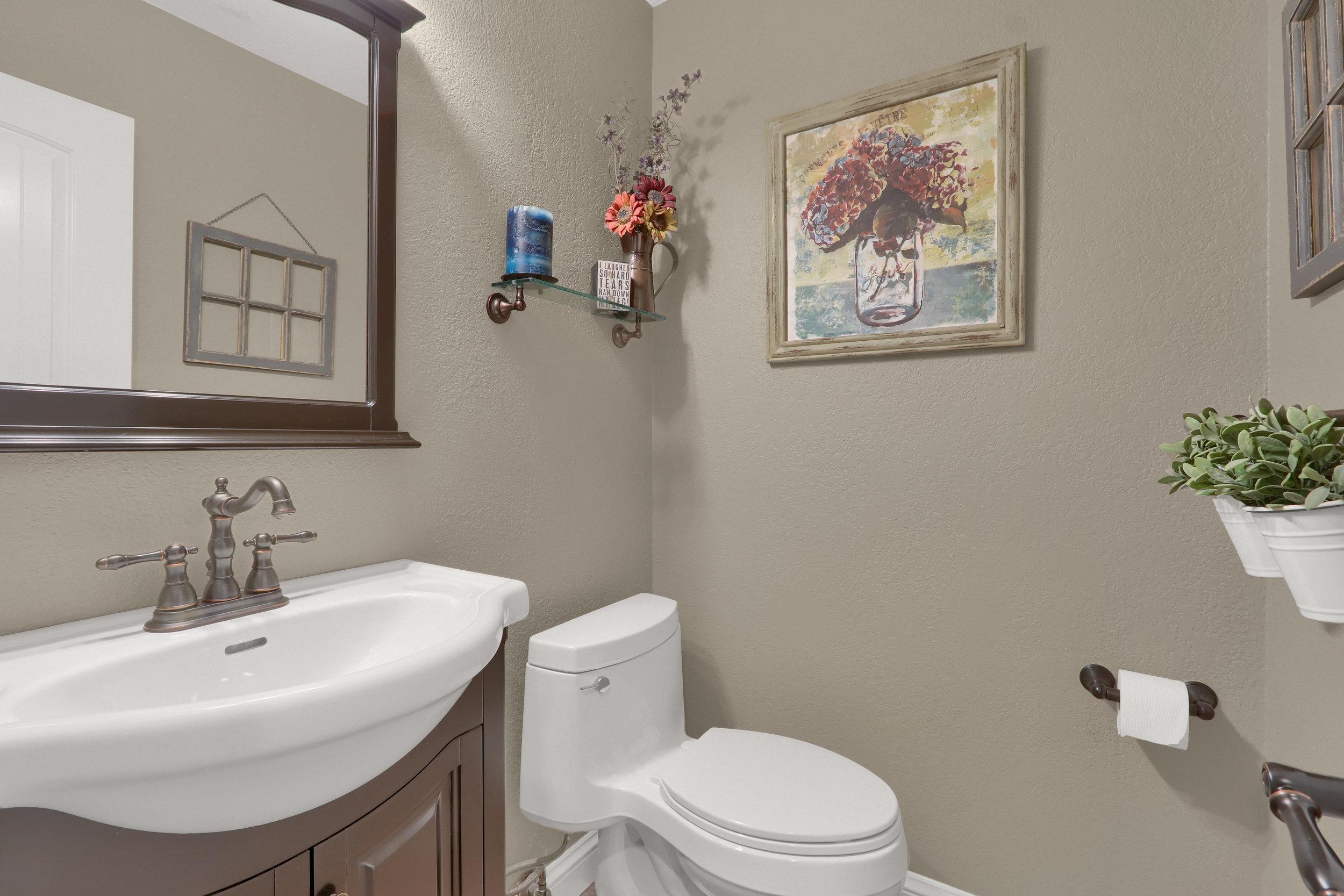 8125 S Zephyr Way Littleton CO-print-025-029-Bathroom-4200x2800-300dpi.jpg