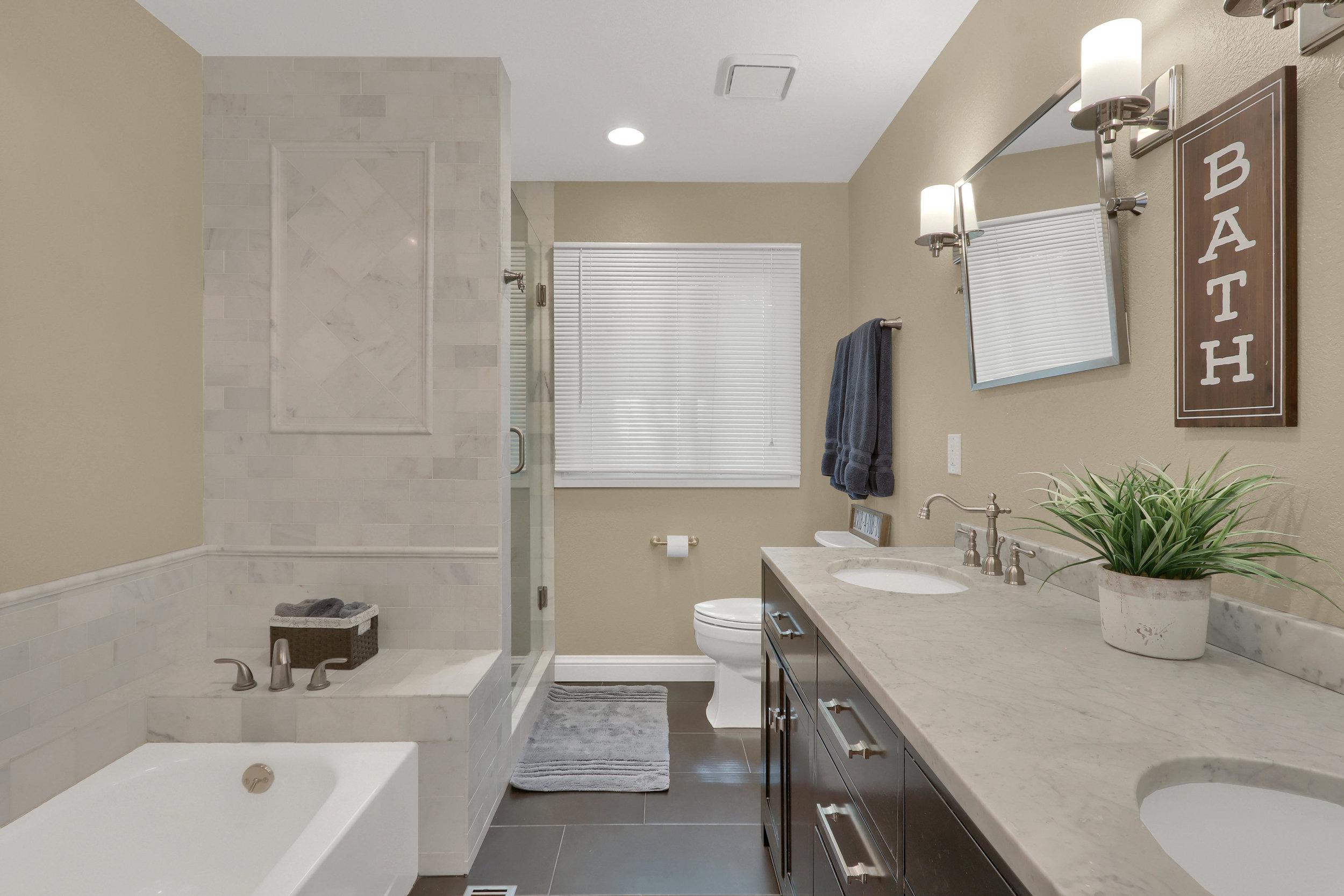 8125 S Zephyr Way Littleton CO-print-034-039-Bathroom-4200x2800-300dpi.jpg