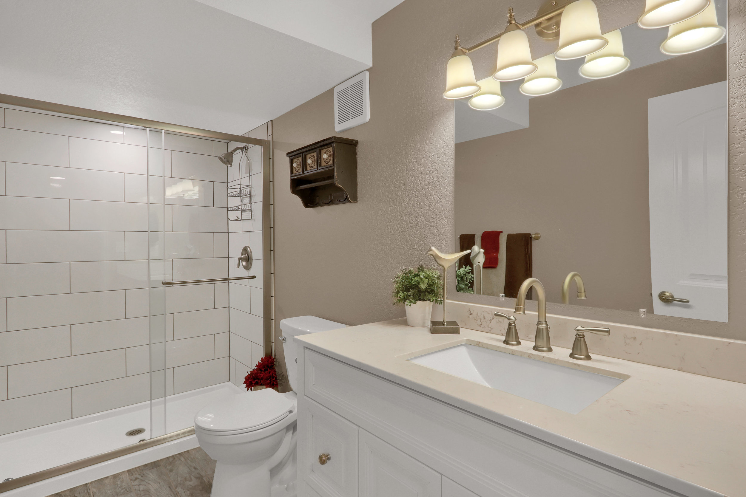 8125 S Zephyr Way Littleton CO-print-037-040-Bathroom-4200x2800-300dpi.jpg