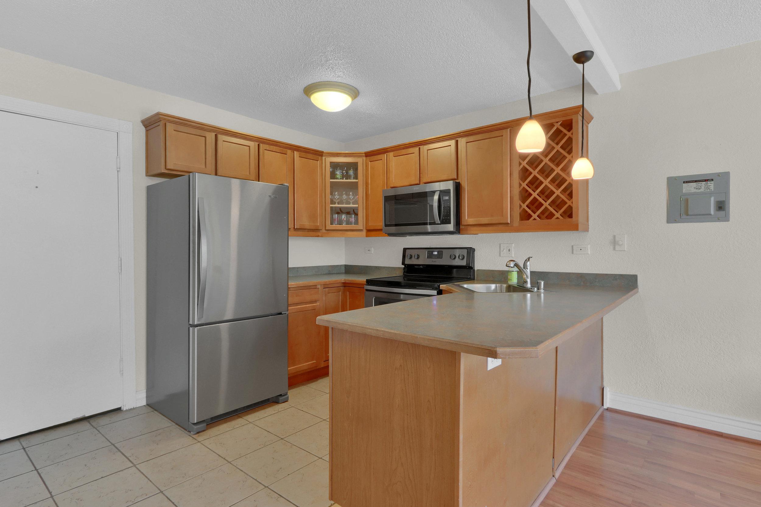 909 N Logan St Unit 3J Denver-print-005-001-Kitchen-4200x2800-300dpi.jpg