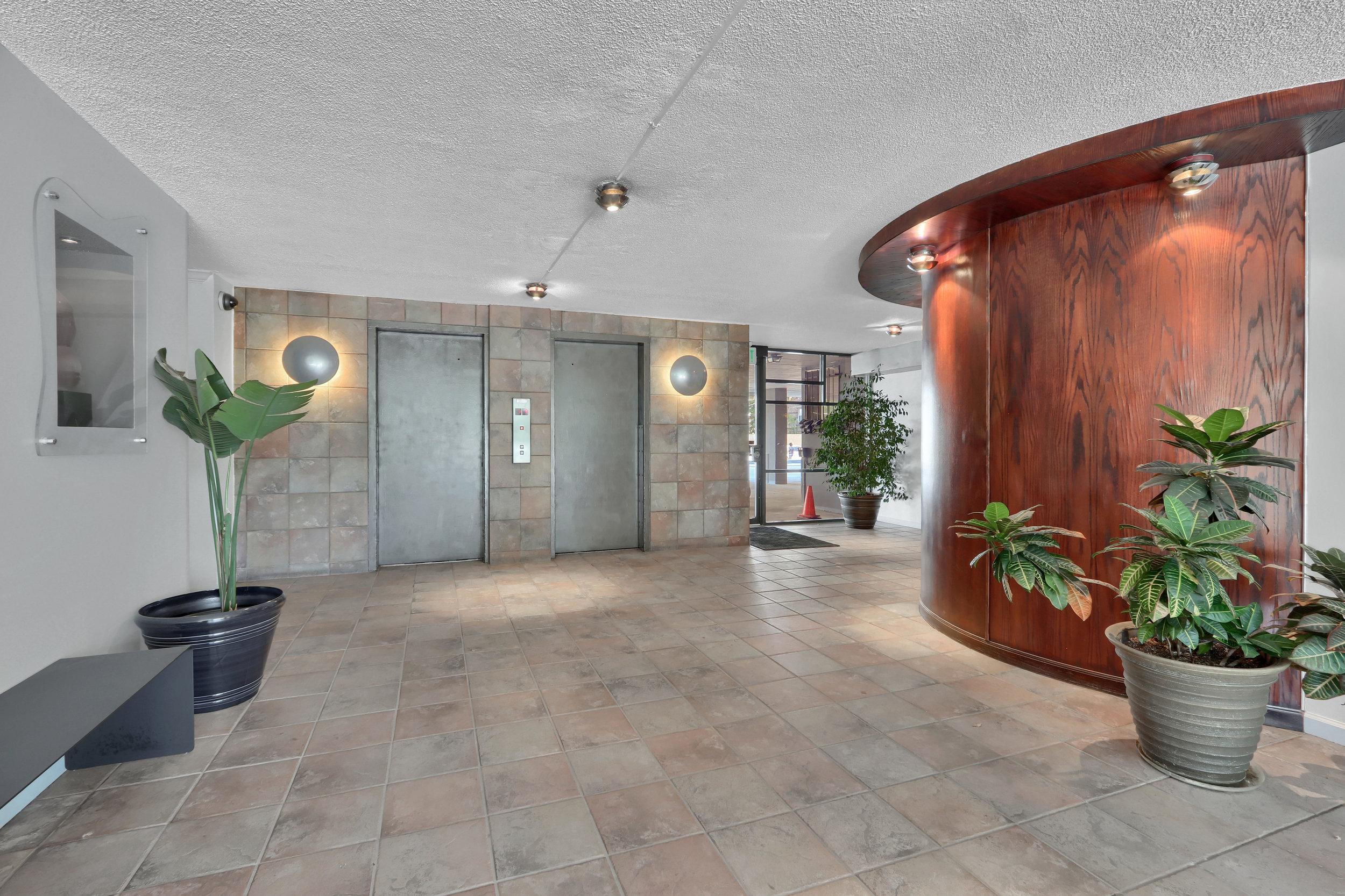 909 N Logan St Unit 3J Denver-print-019-018-Building Foyer-4200x2800-300dpi.jpg