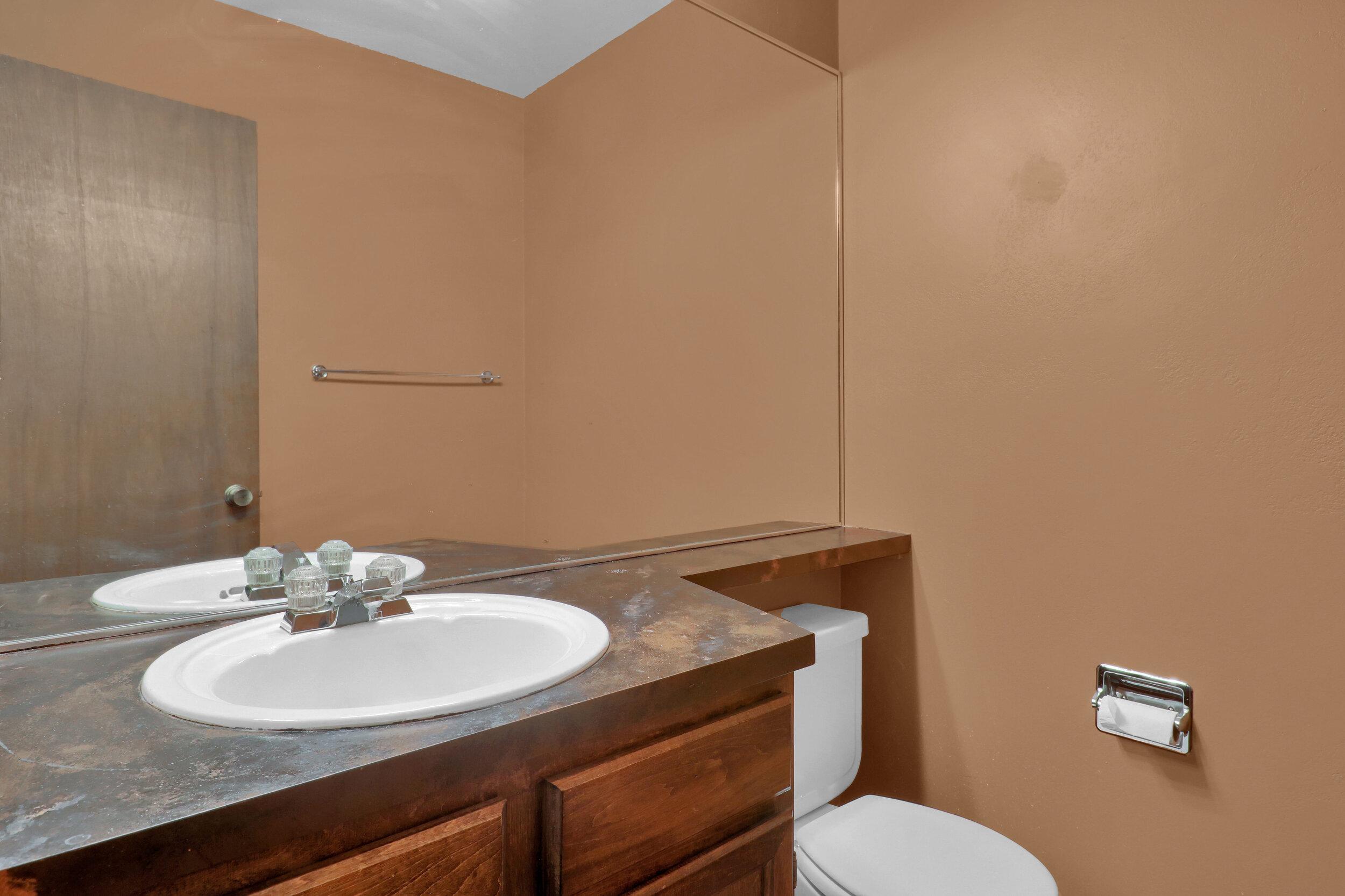 9970 Grove Street Unit B-print-010-011-Bathroom-4200x2801-300dpi.jpg