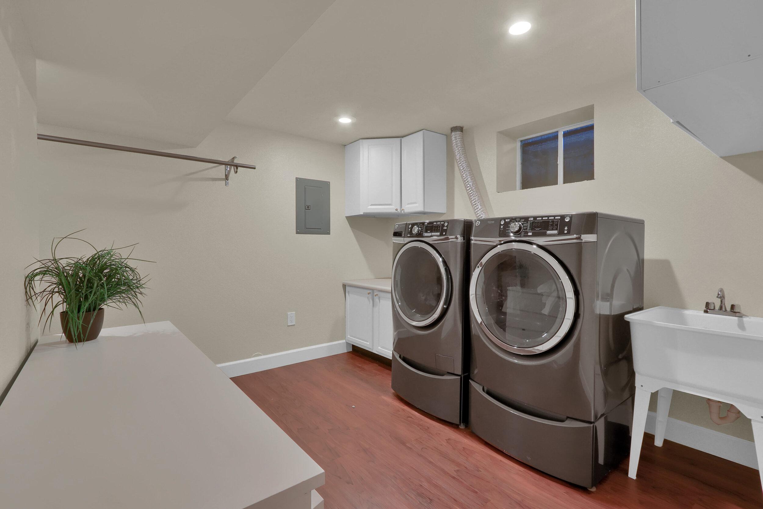 6393 Johnson Way Arvada CO-print-013-012-Laundry-4200x2800-300dpi.jpg