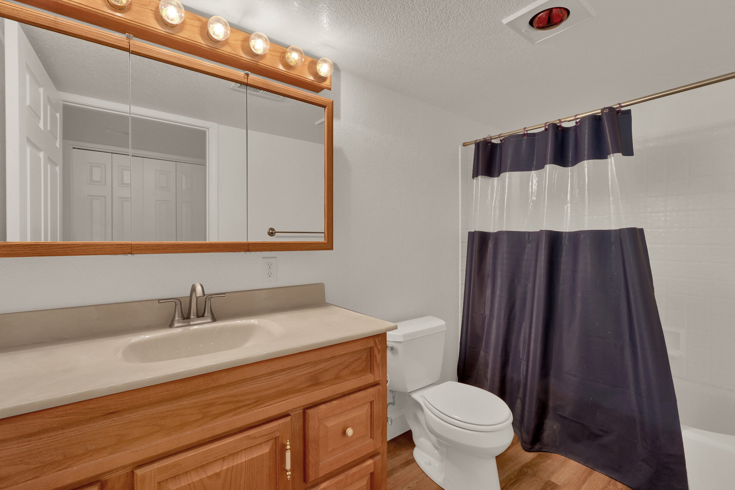 16881 W 63rd Place Arvada CO-print-031-034-Bathroom-4200x2800-300dpi.jpg