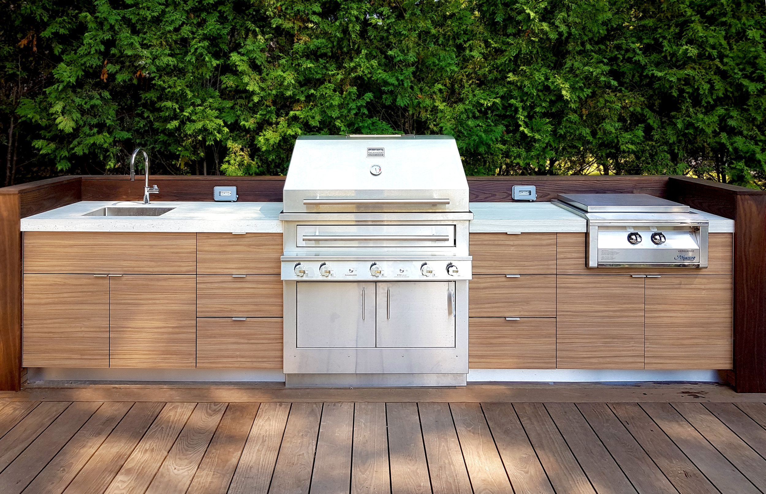 Outdoor Kitchen by Garden Living